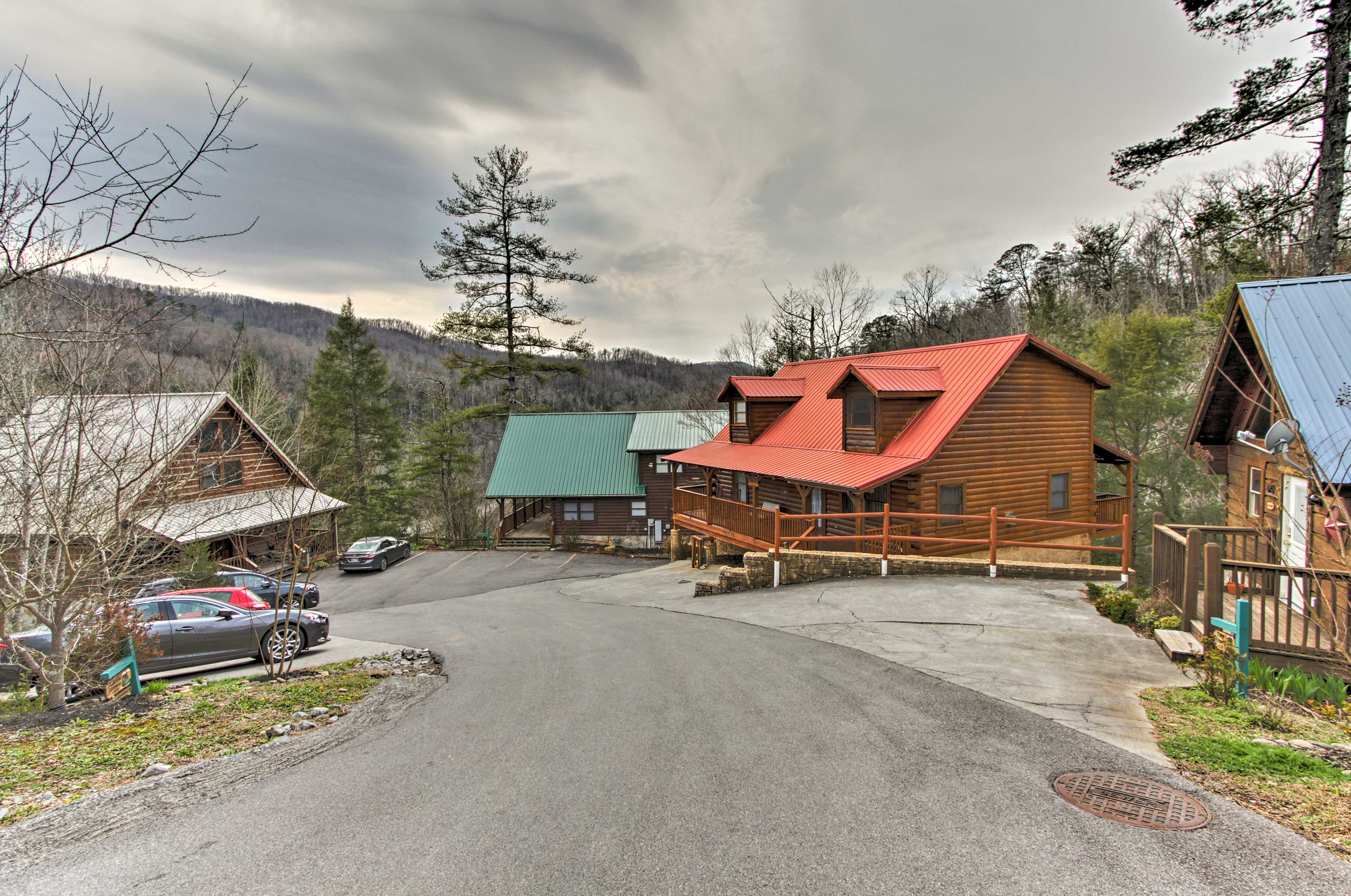 There's a newly built community clubhouse just down the street from this cabin.