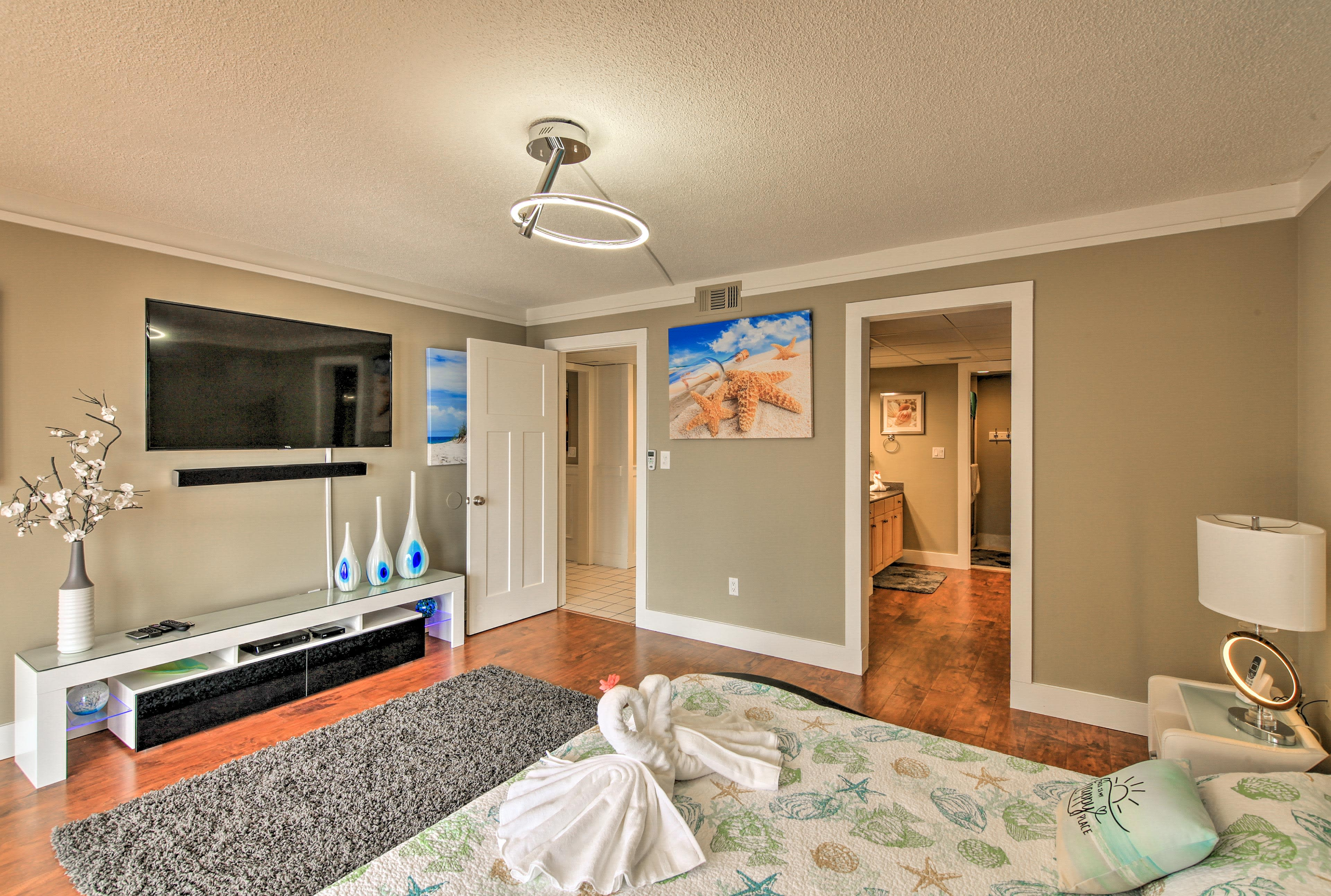 All 3 bedrooms come complete with flat-screen cable TVs.
