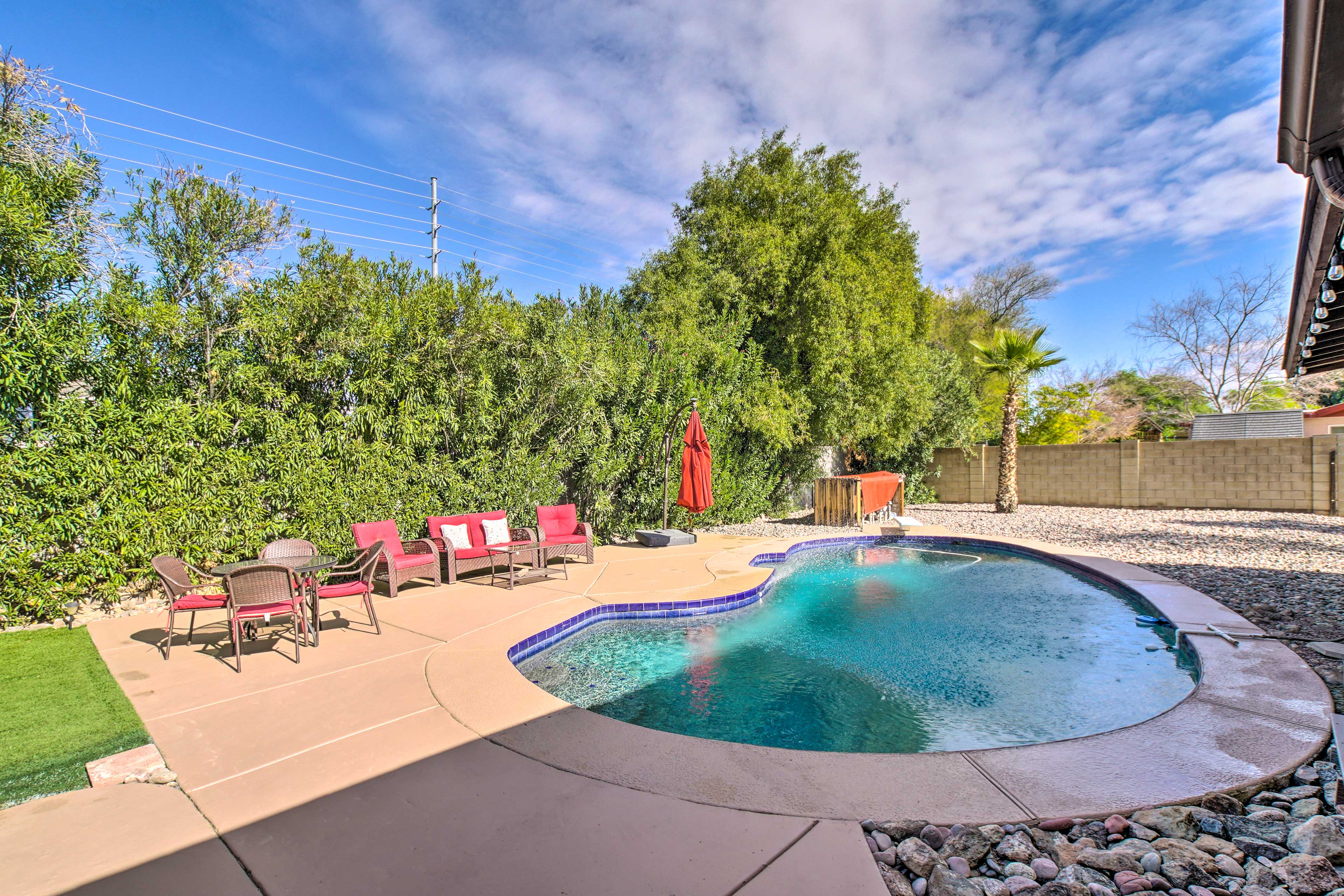 Private Backyard | Lounge Area