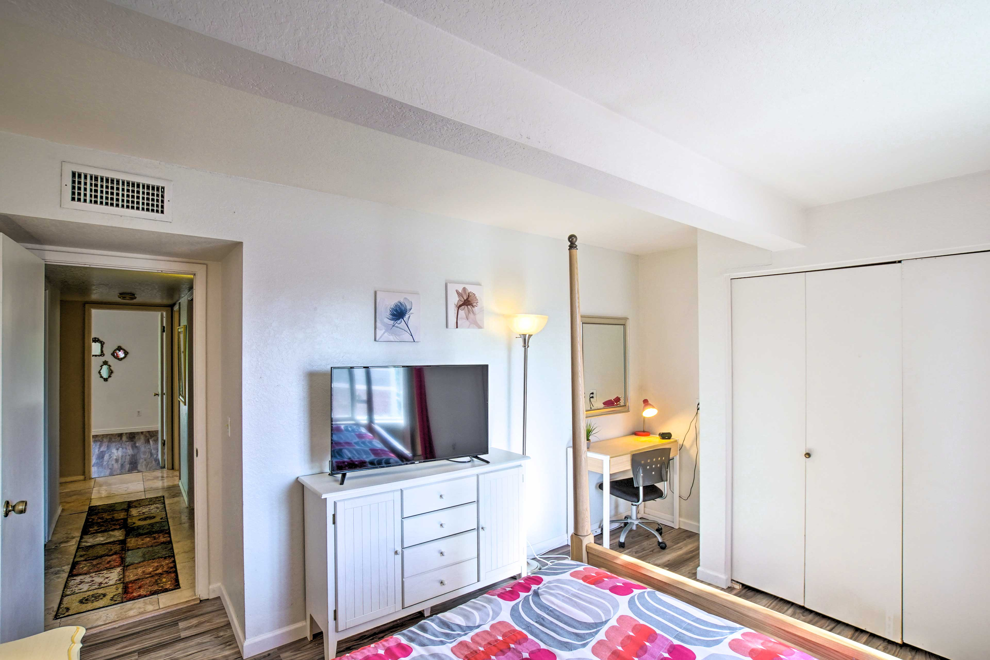 Bedroom 3 | Linens Provided | Workspace | Cable TV
