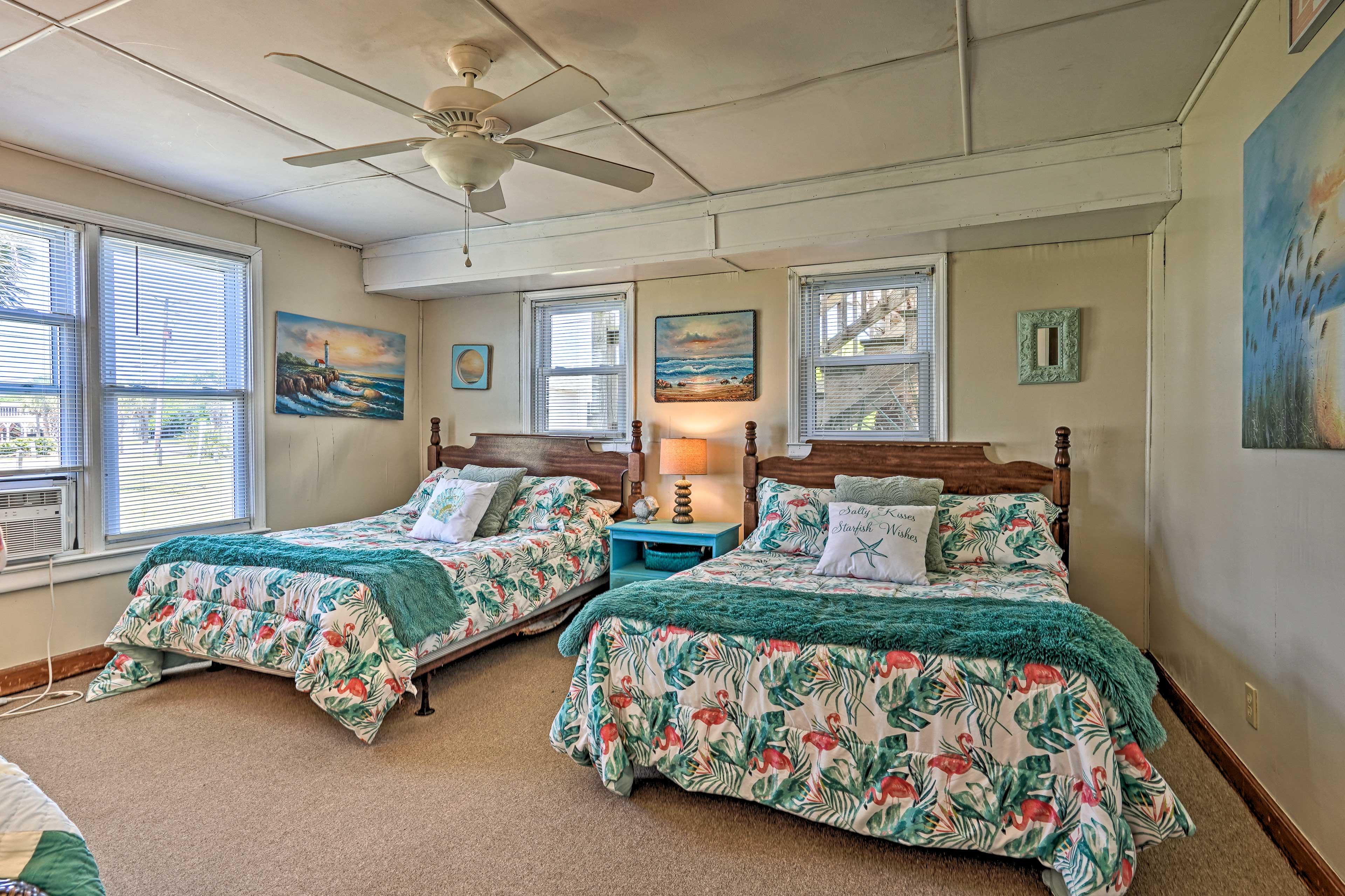 Bedroom 2   2 Full Beds