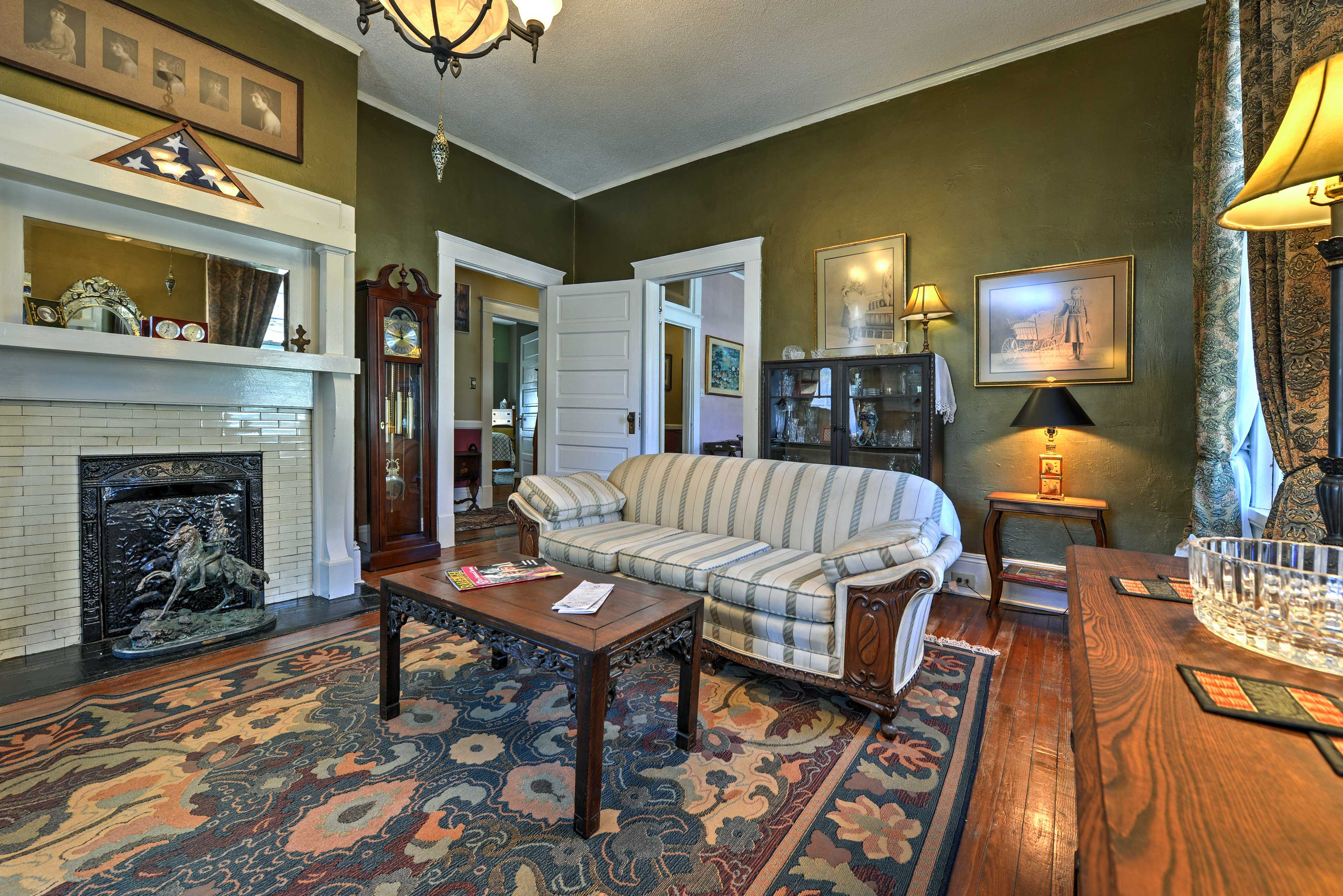 Built in 1904, this apartment boasts tons of historic charm.