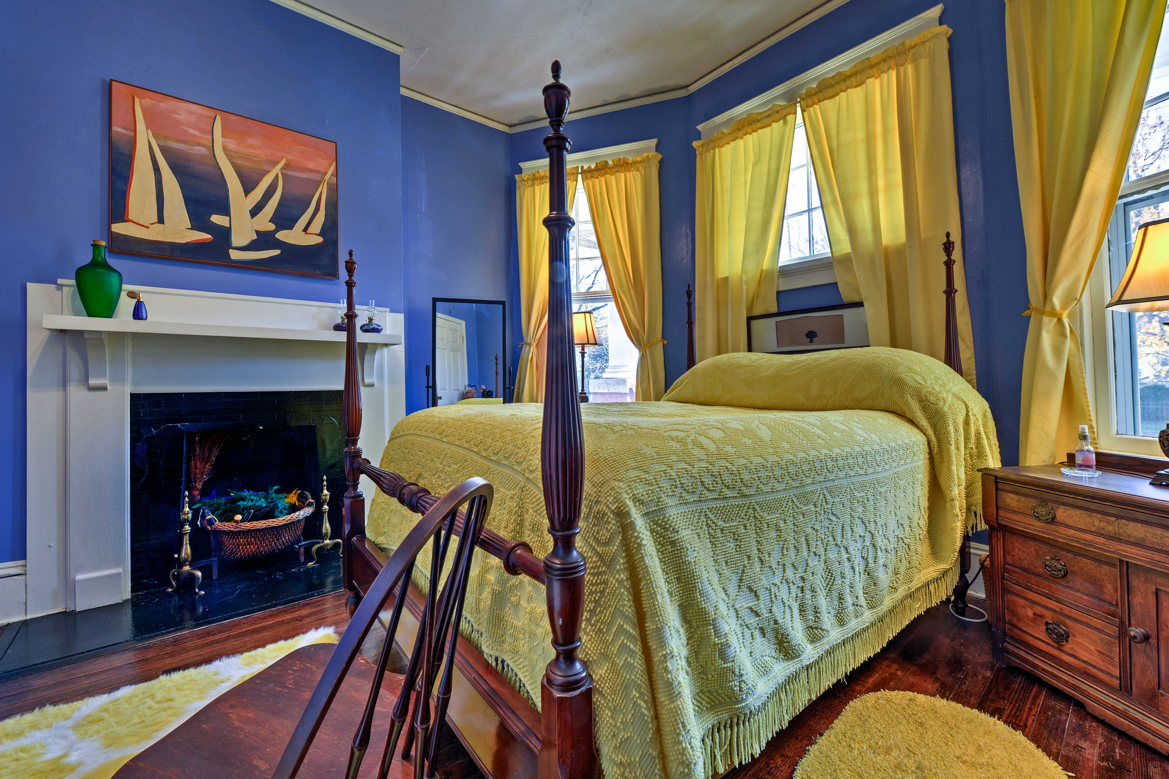 Primary blues and yellows decorate the master bedroom.
