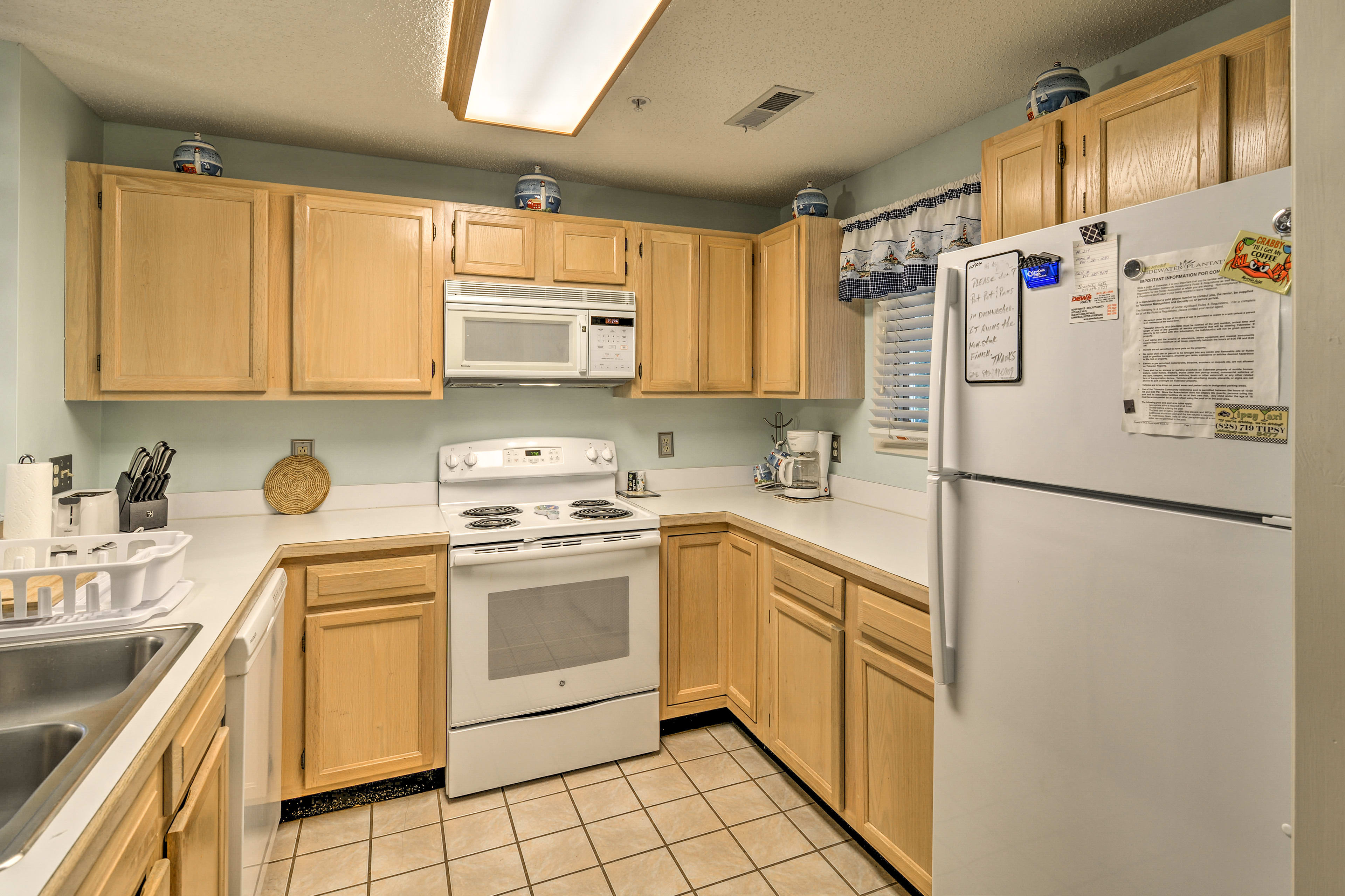With modern appliances and ample counter space, meal prep will be a breeze.