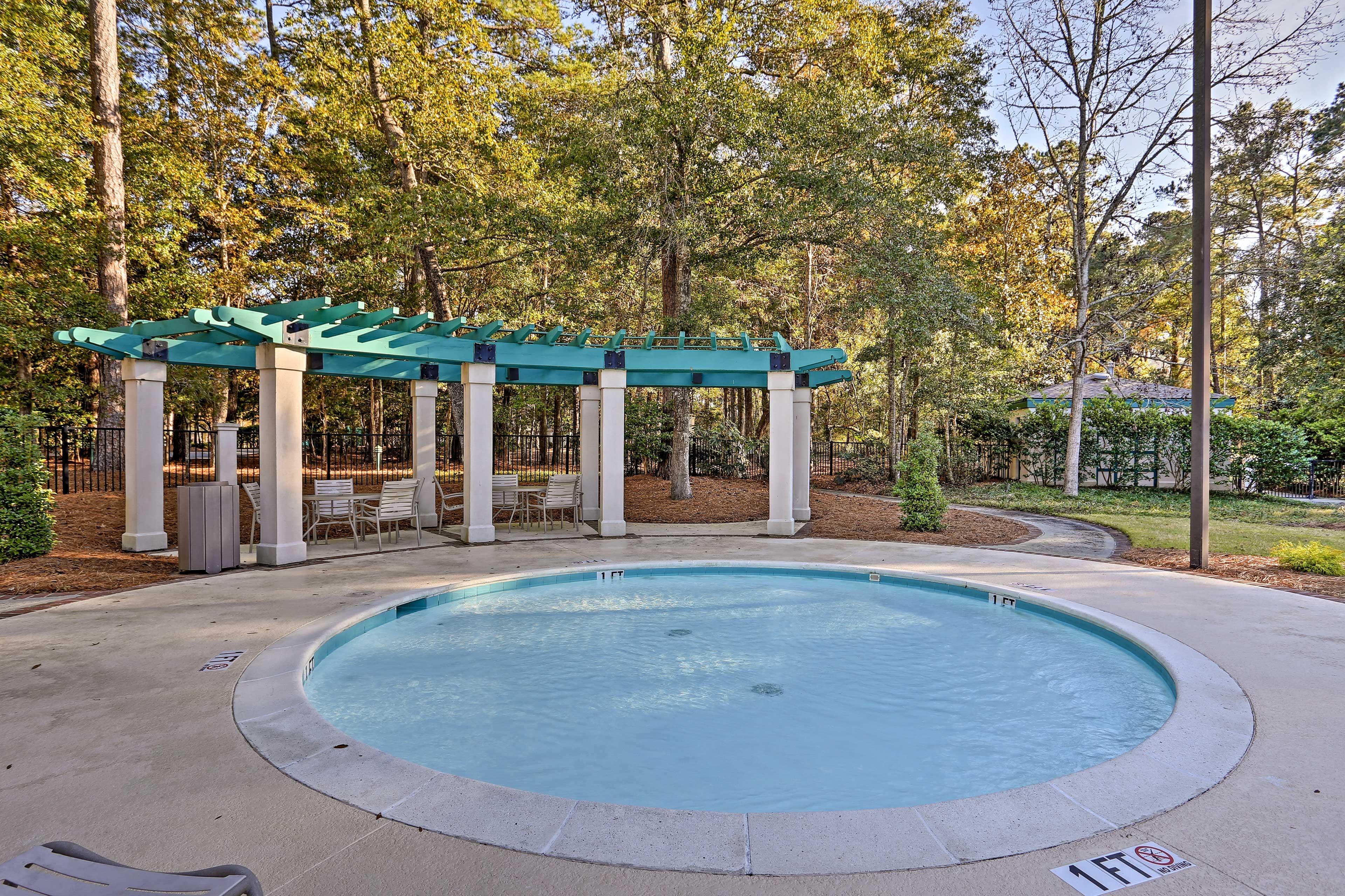 This family-friendly resort has a kiddie pool.