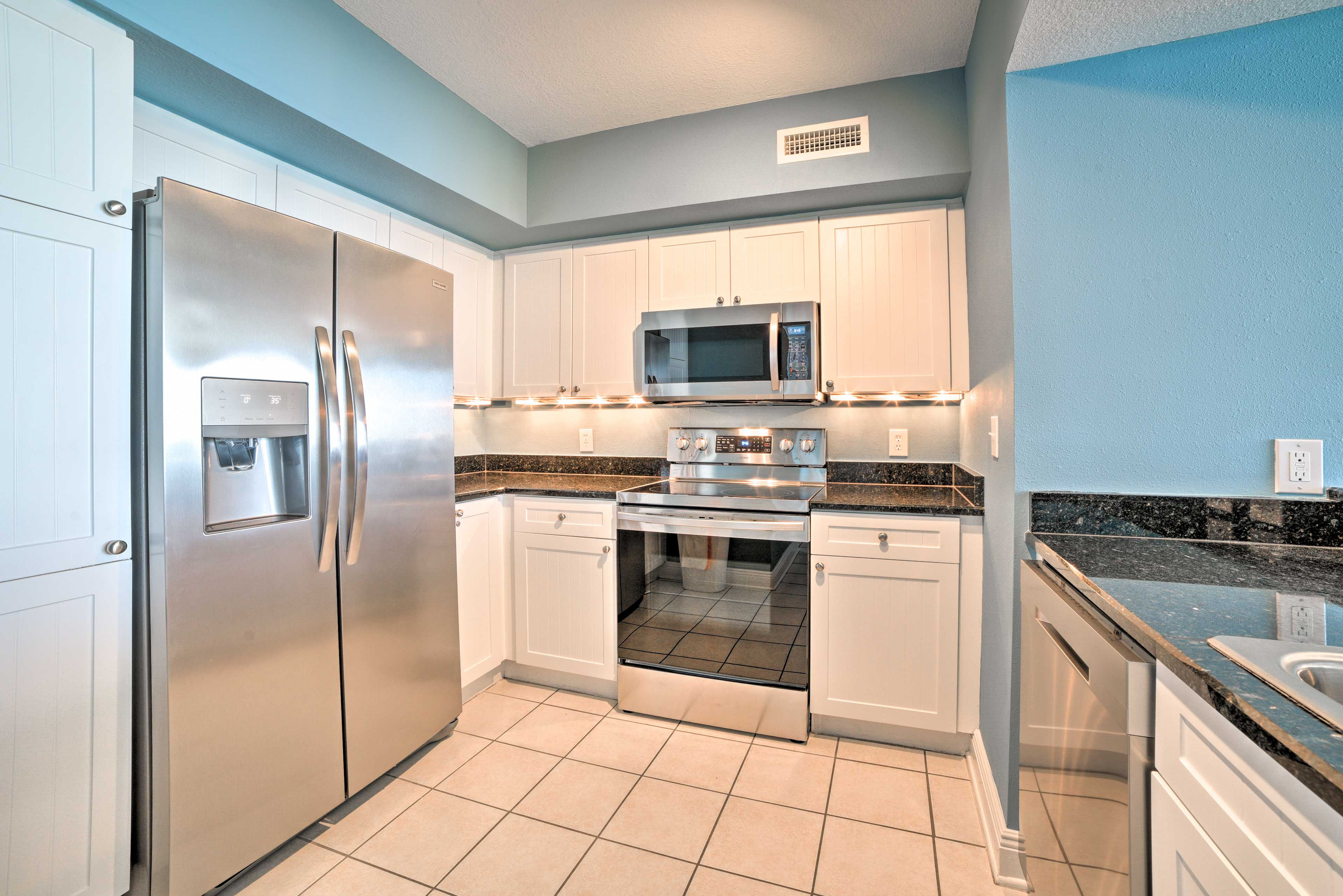 Fully Equipped Kitchen | Stainless Steel Appliances