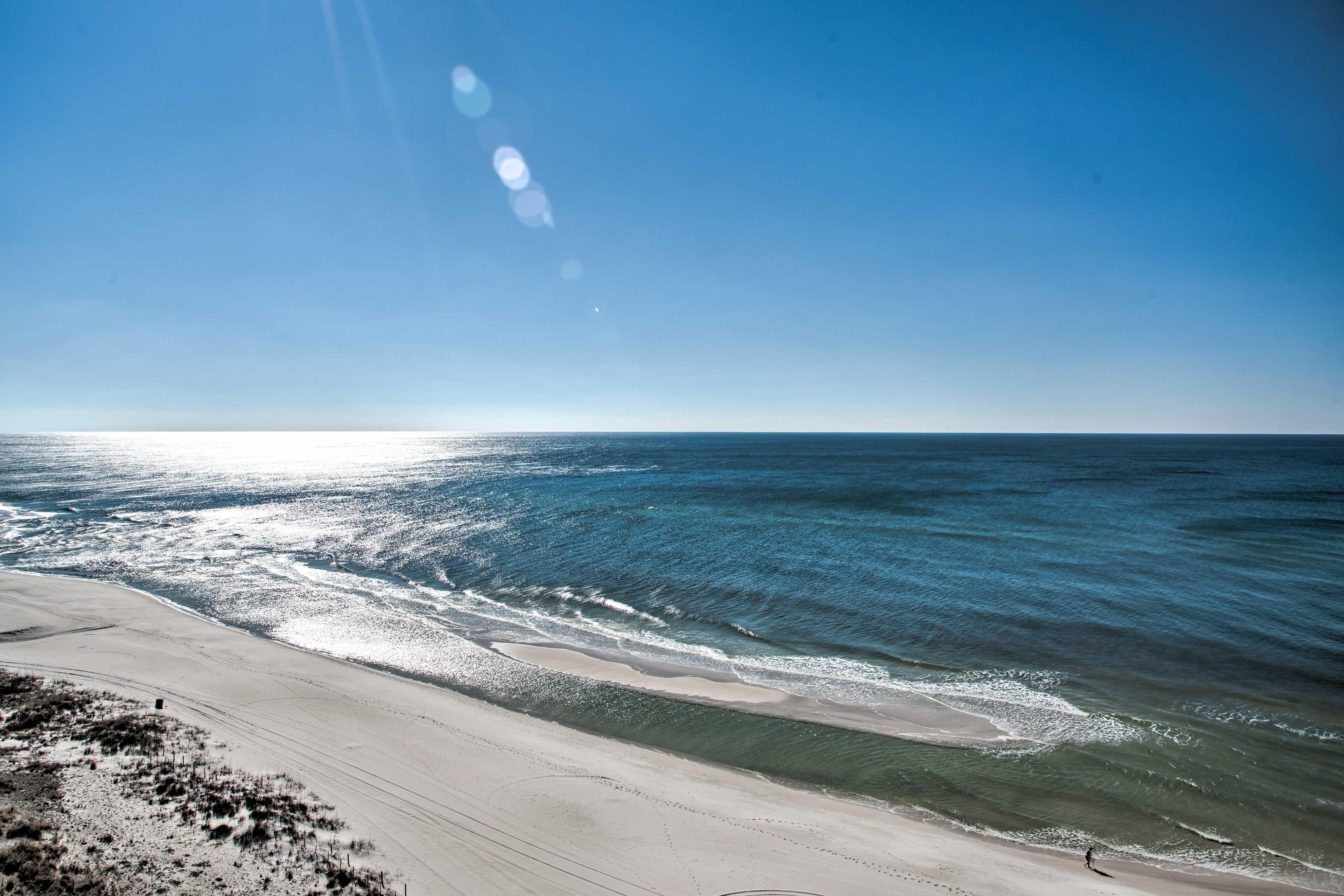 Emerald Beach Resort | Beach Access