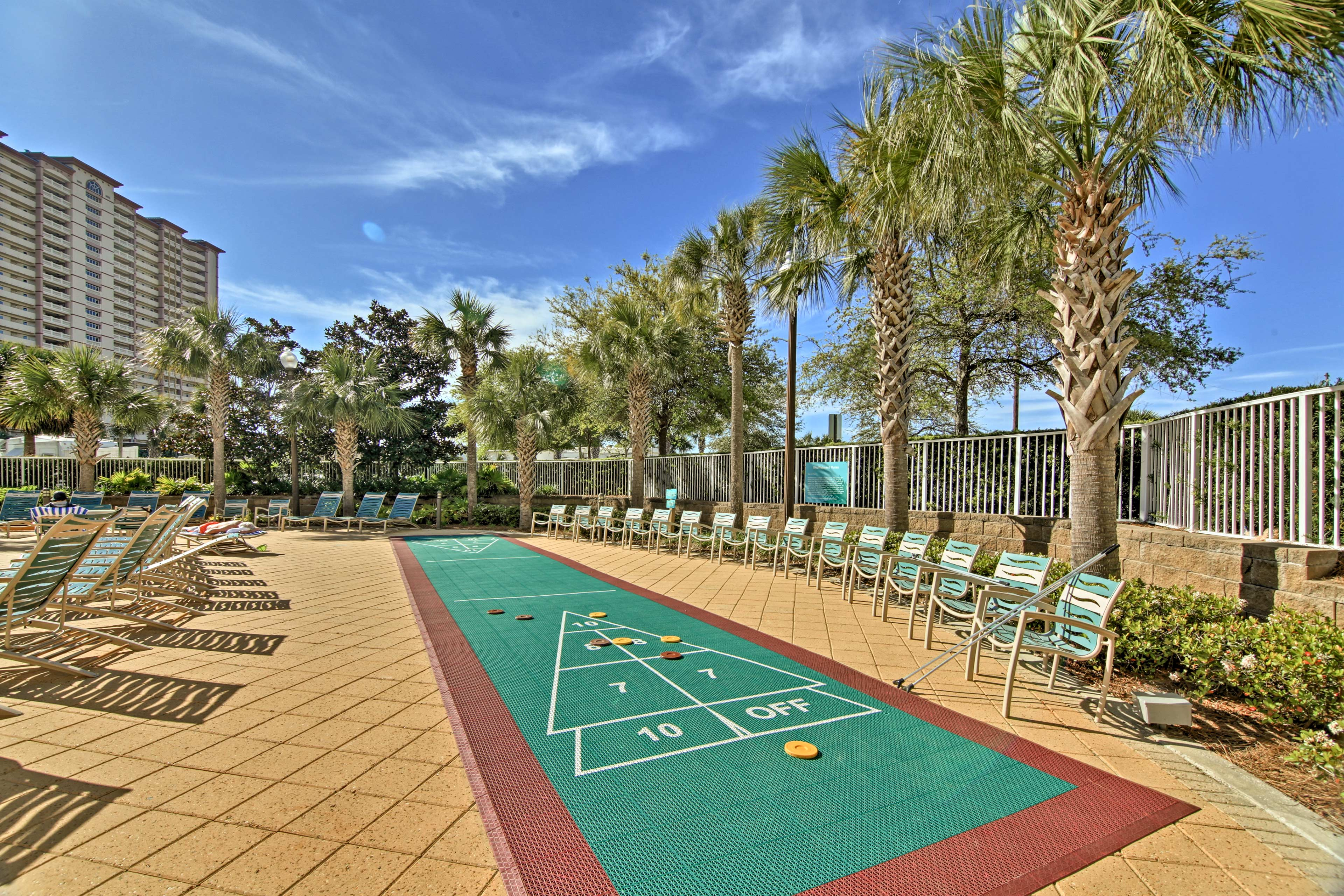 Emerald Beach Resort | Community Amenities