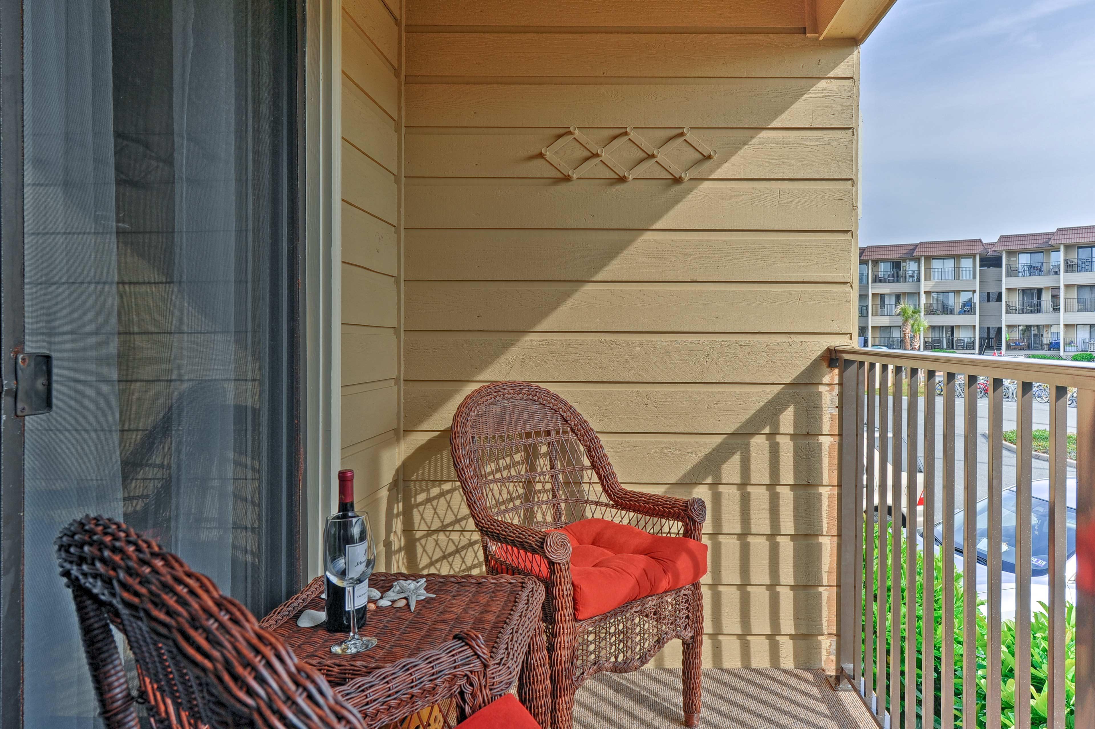 Hilton Head Beach Vacation Rental Condo | 1BR | 1BA