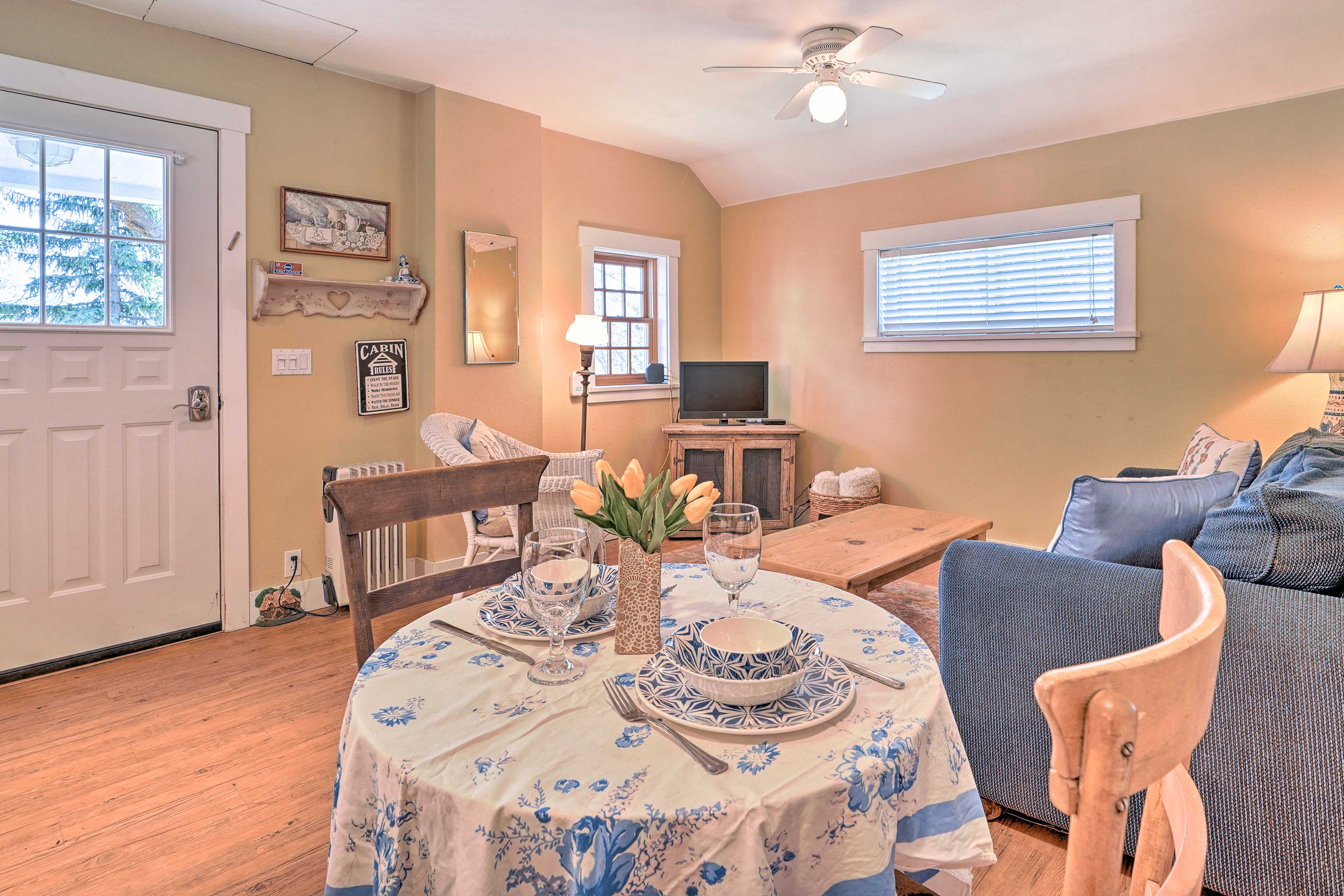 Blue decor throughout make the cottage extra homey and inviting.