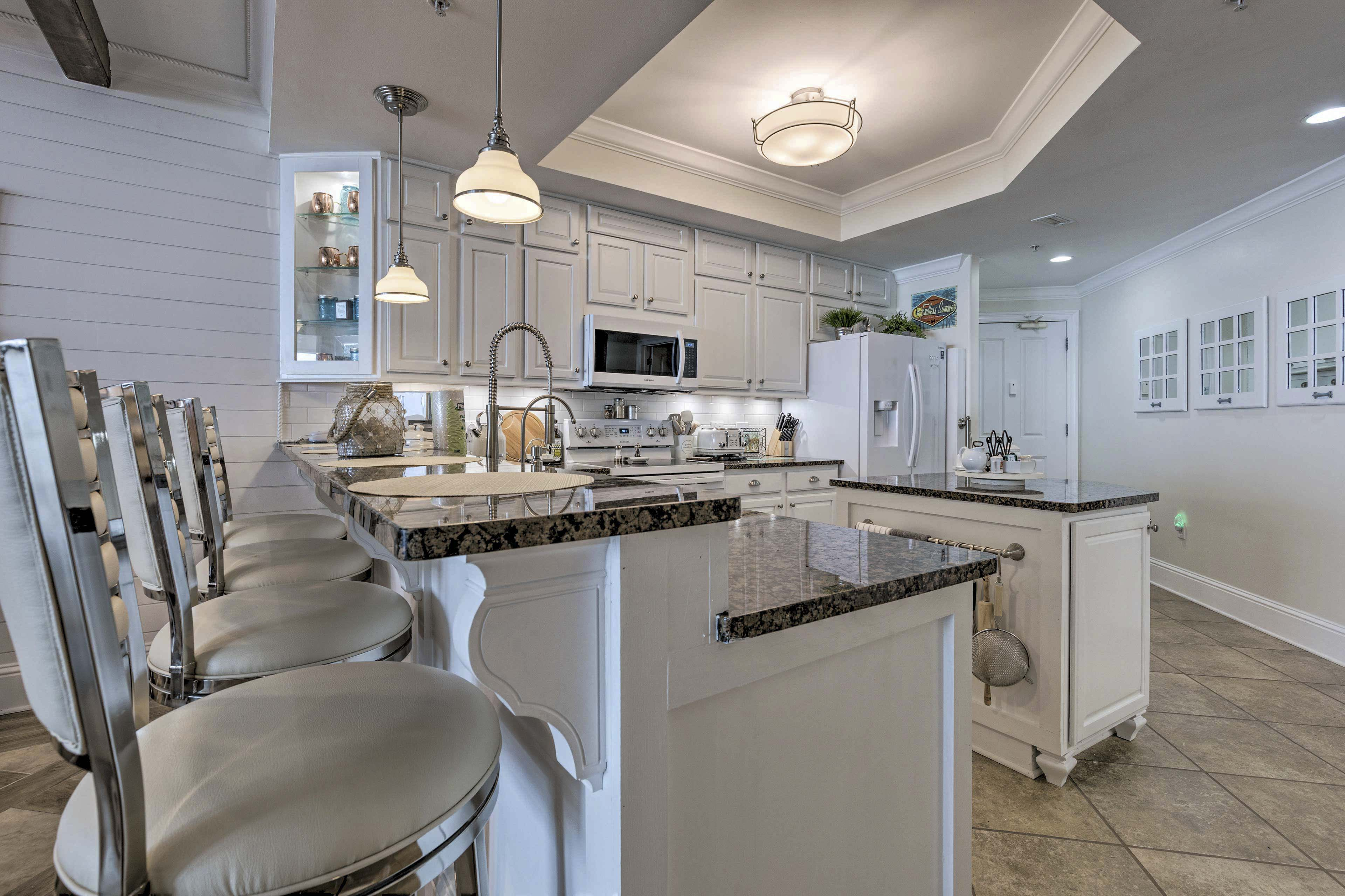 Kitchen | Fully Equipped | Breakfast Bar