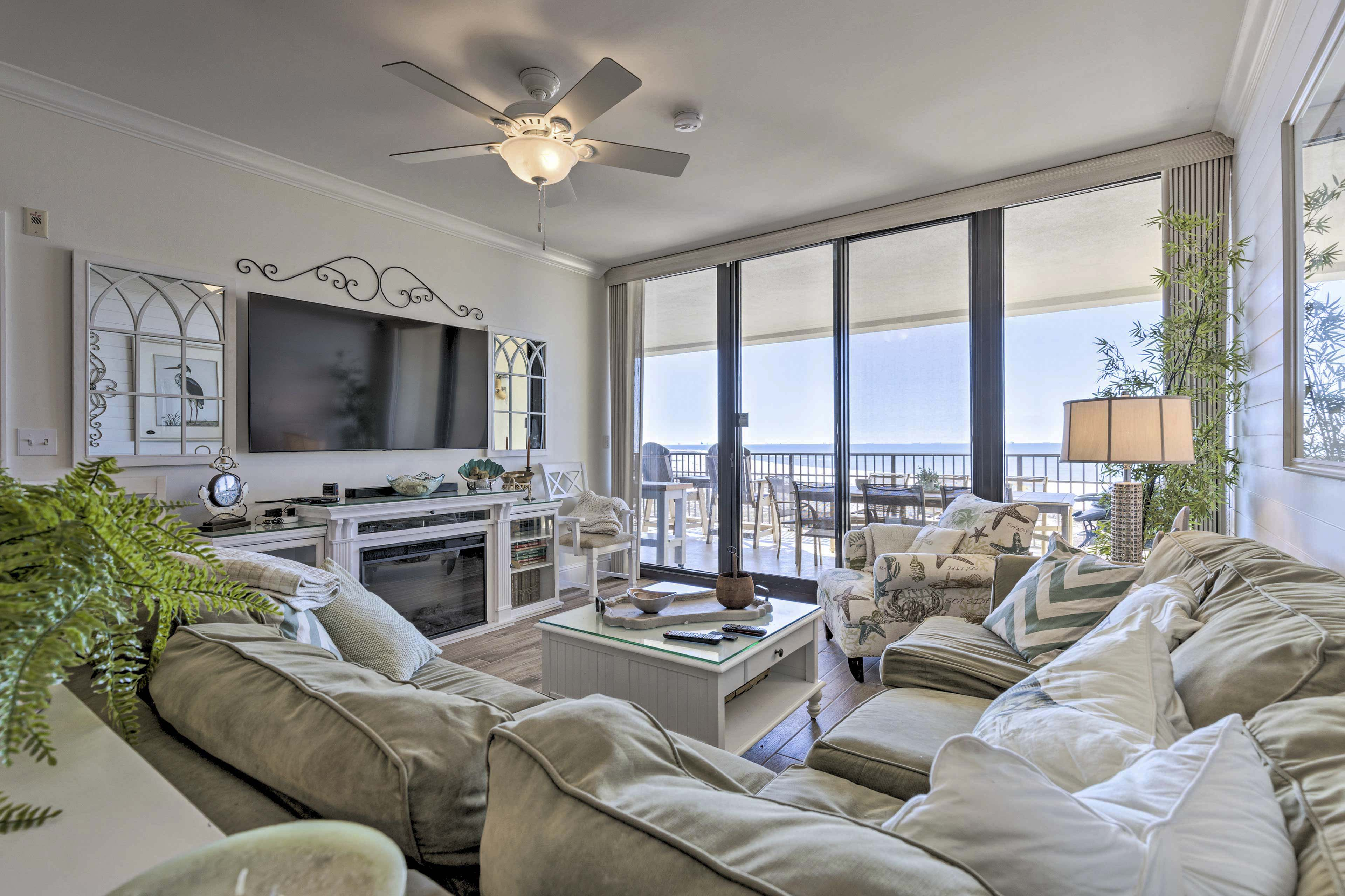 Living Room | Recently Remodeled | Free WiFi