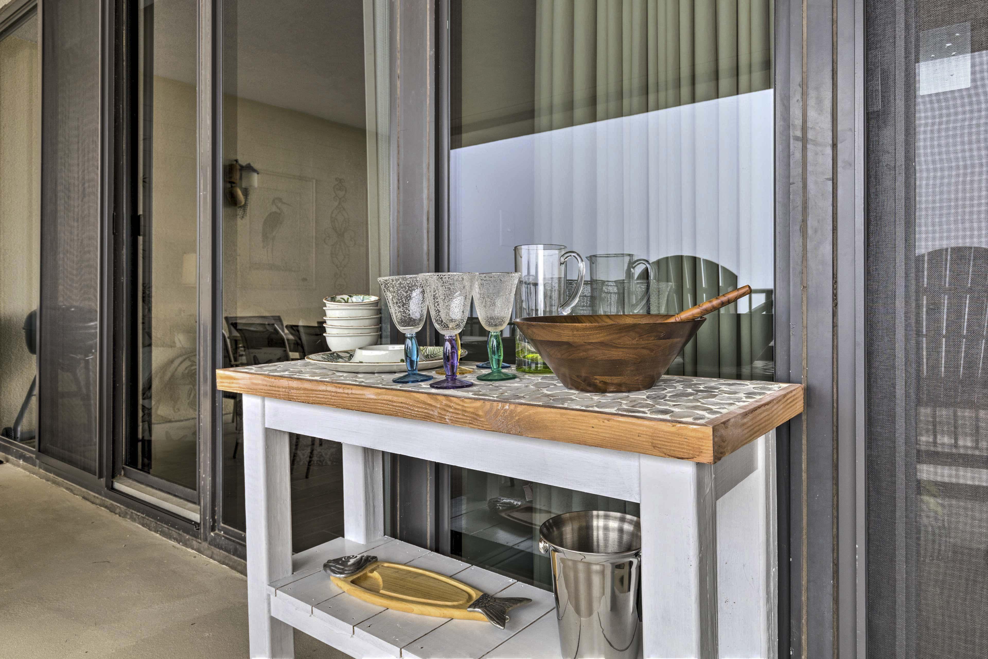 Private Balcony | Bar Cart