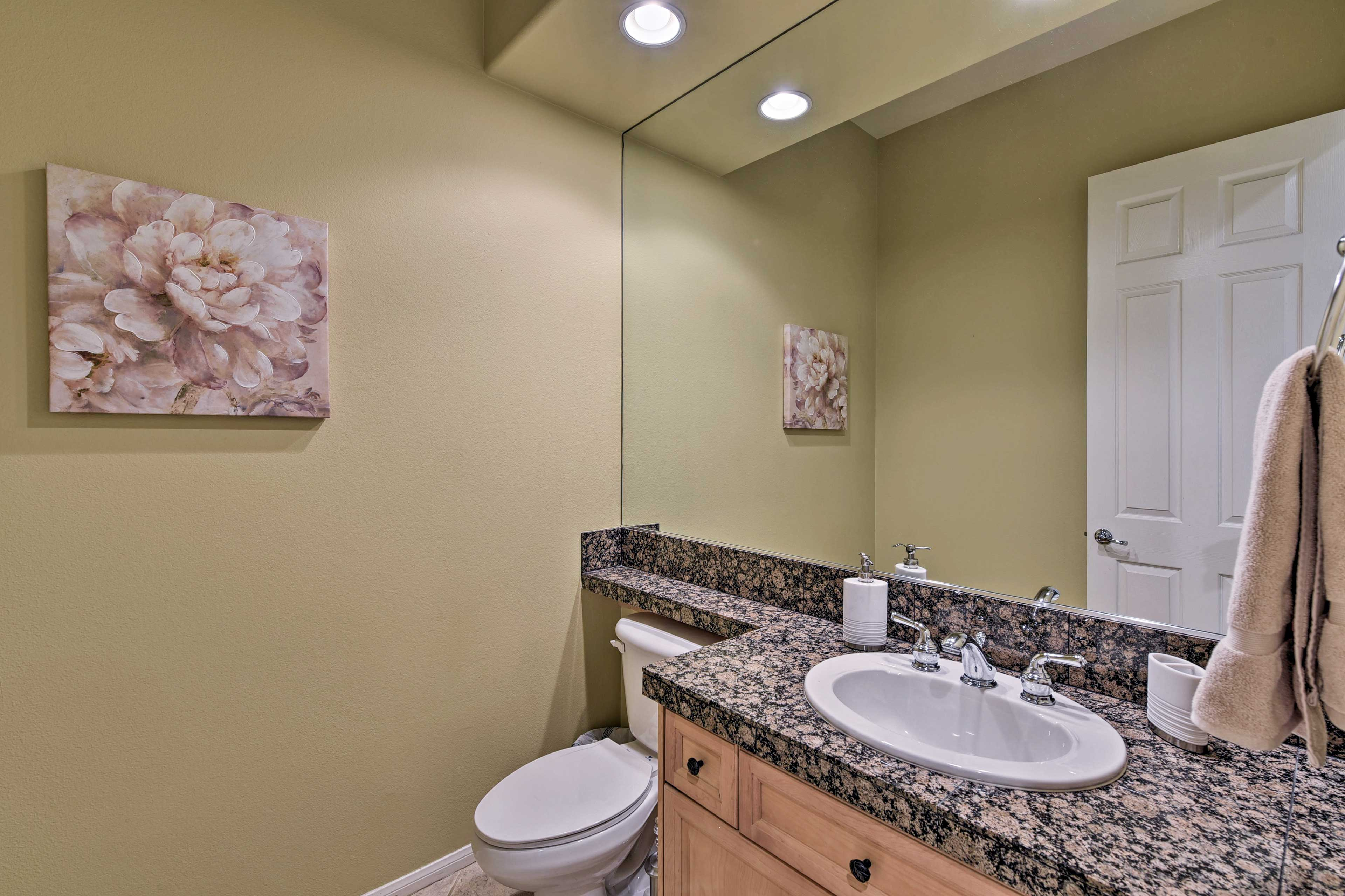 This bathroom is perfect to get ready for a night out!