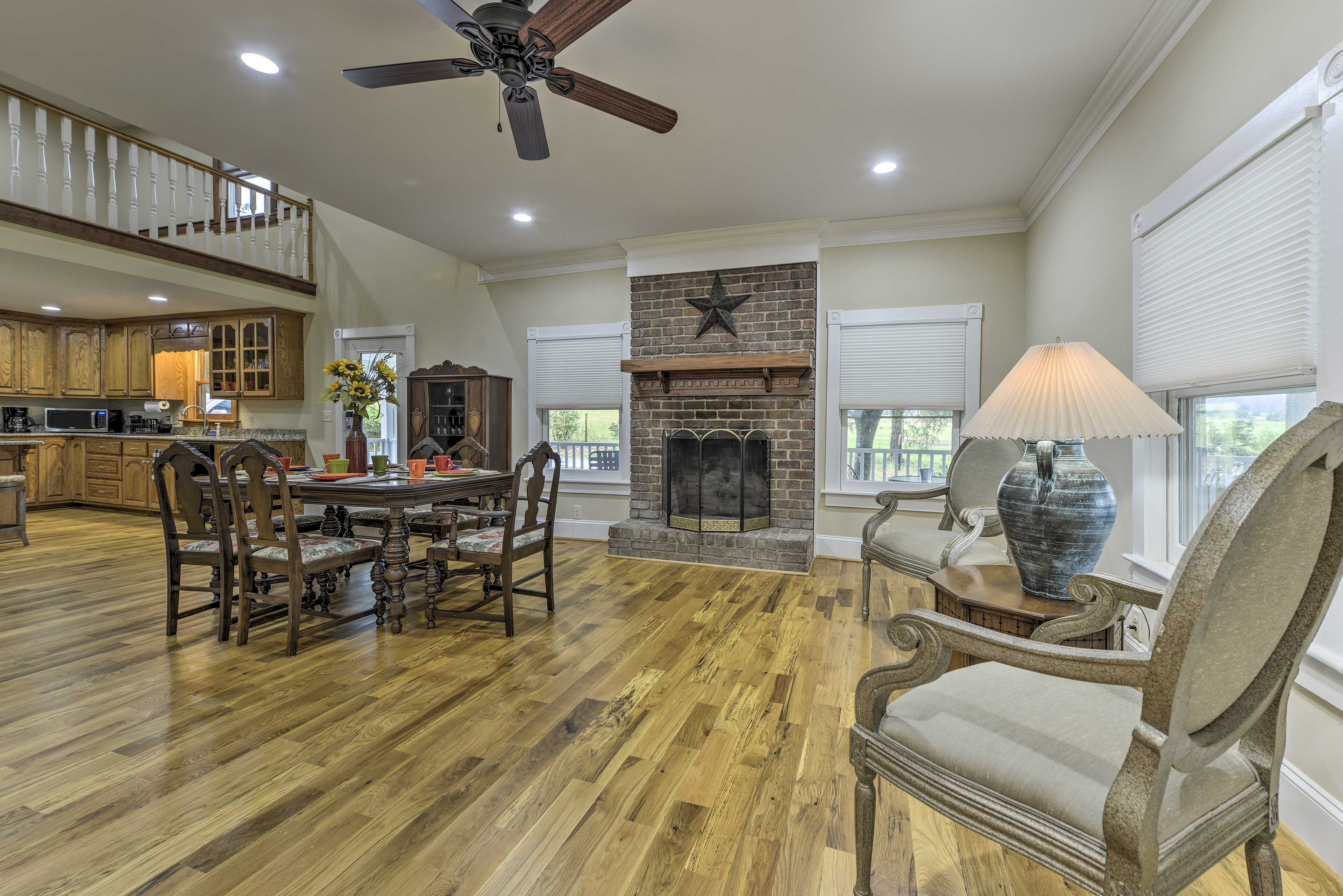 Book this Pittsboro vacation rental farmhouse for your North Carolina retreat.