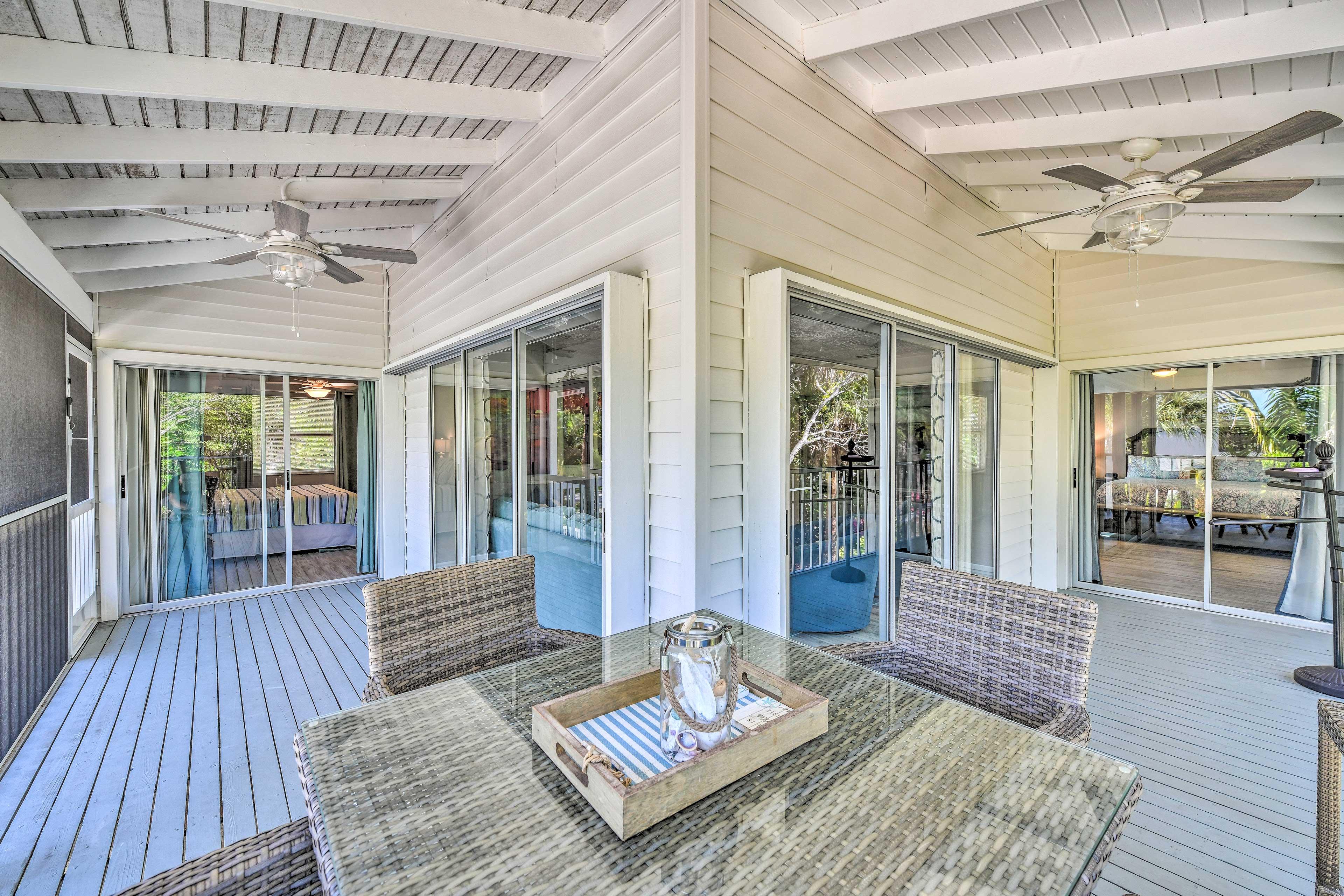 Private Screened-In Porch