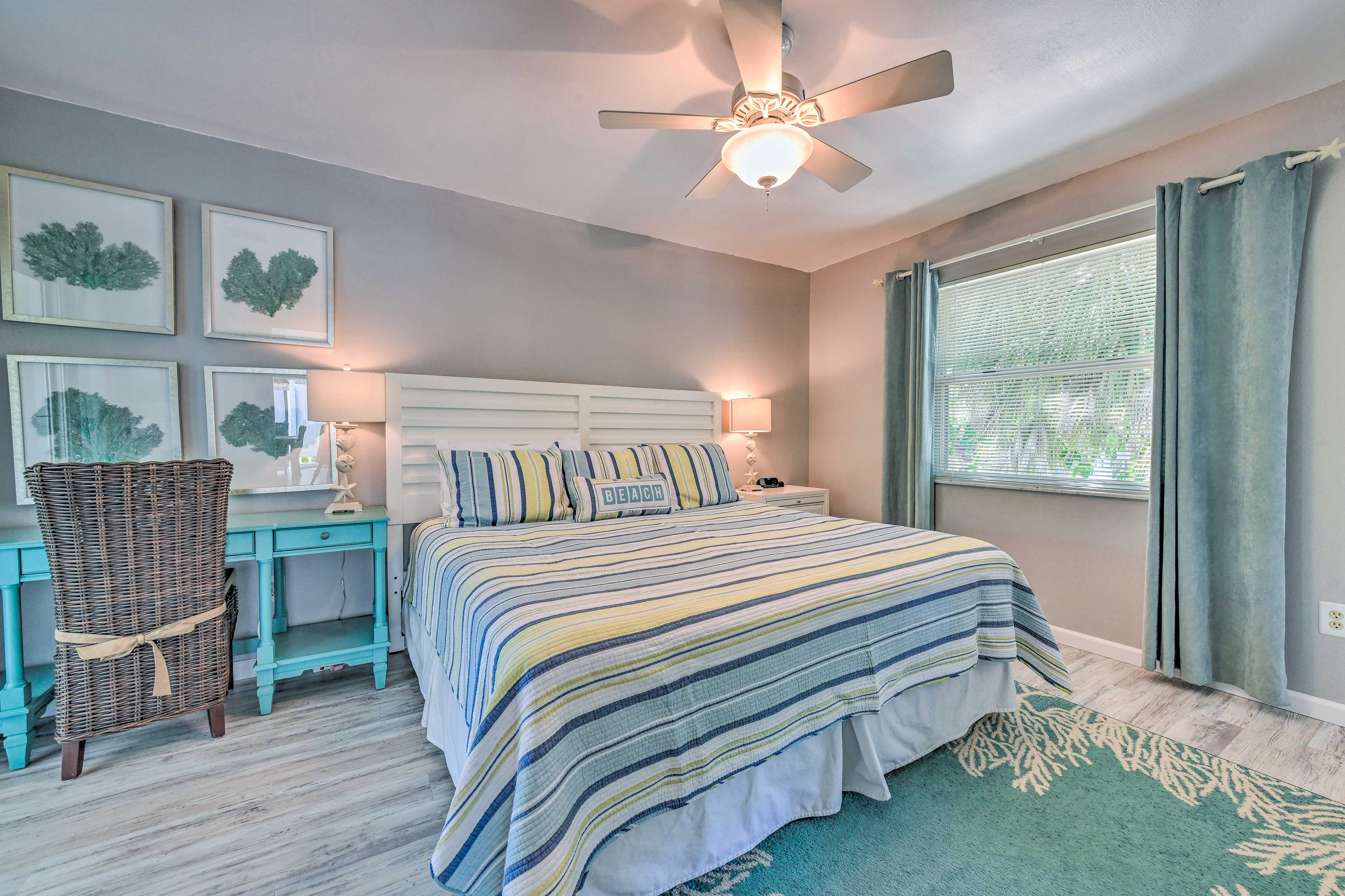 Bedroom 1   King Bed   Linens Provided