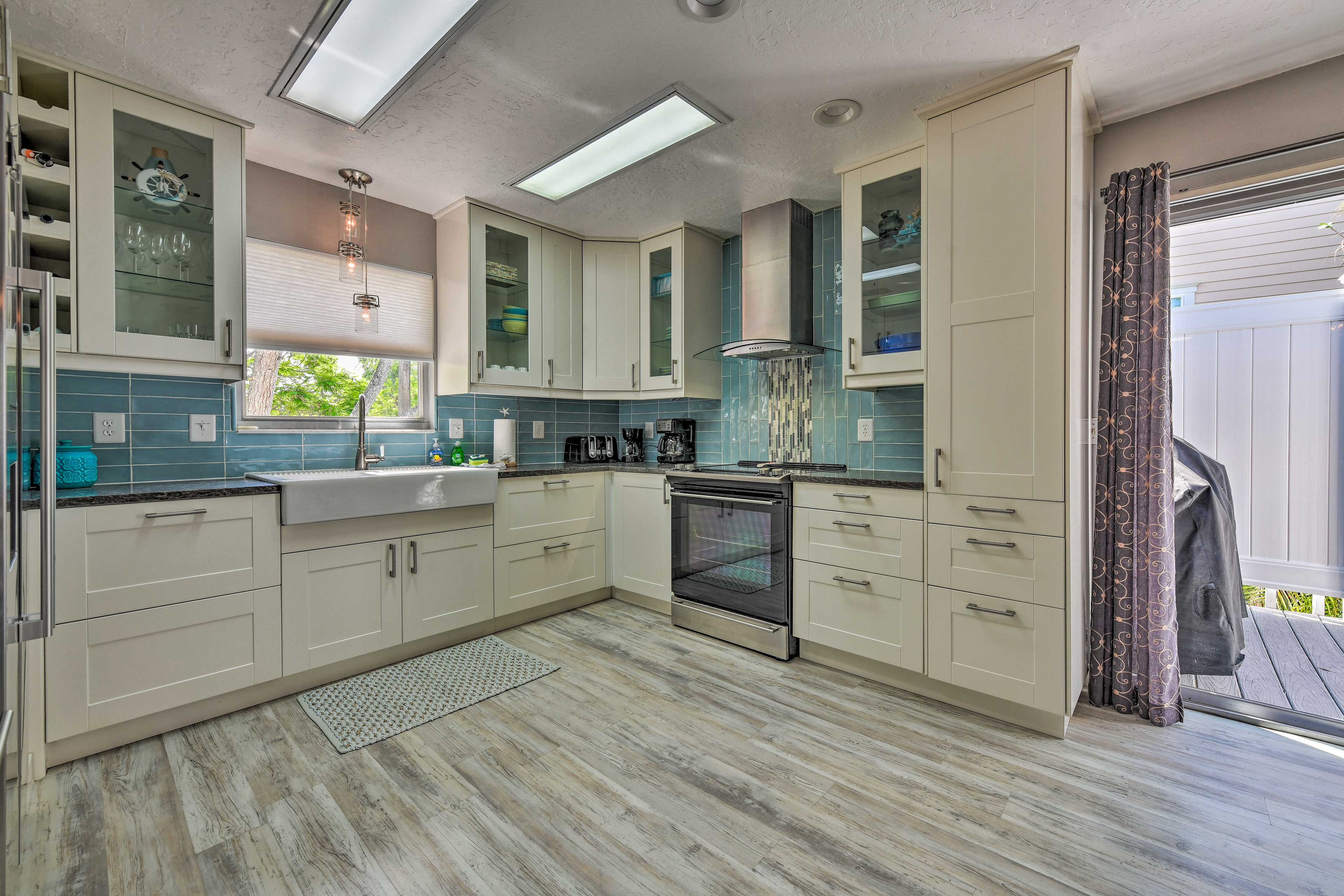 Fully Equipped Kitchen   Top-Notch Appliances