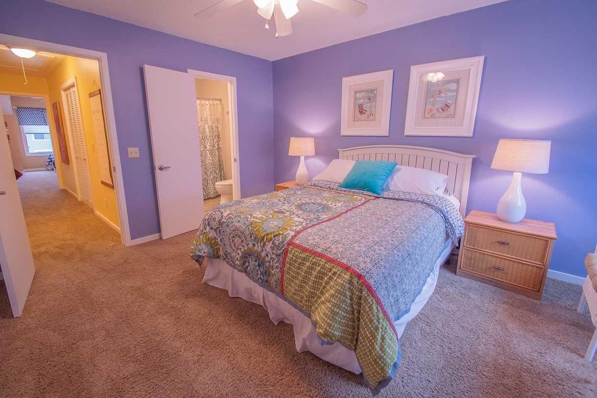 Master Bedroom   Queen Bed   Linens Provided   2nd Floor