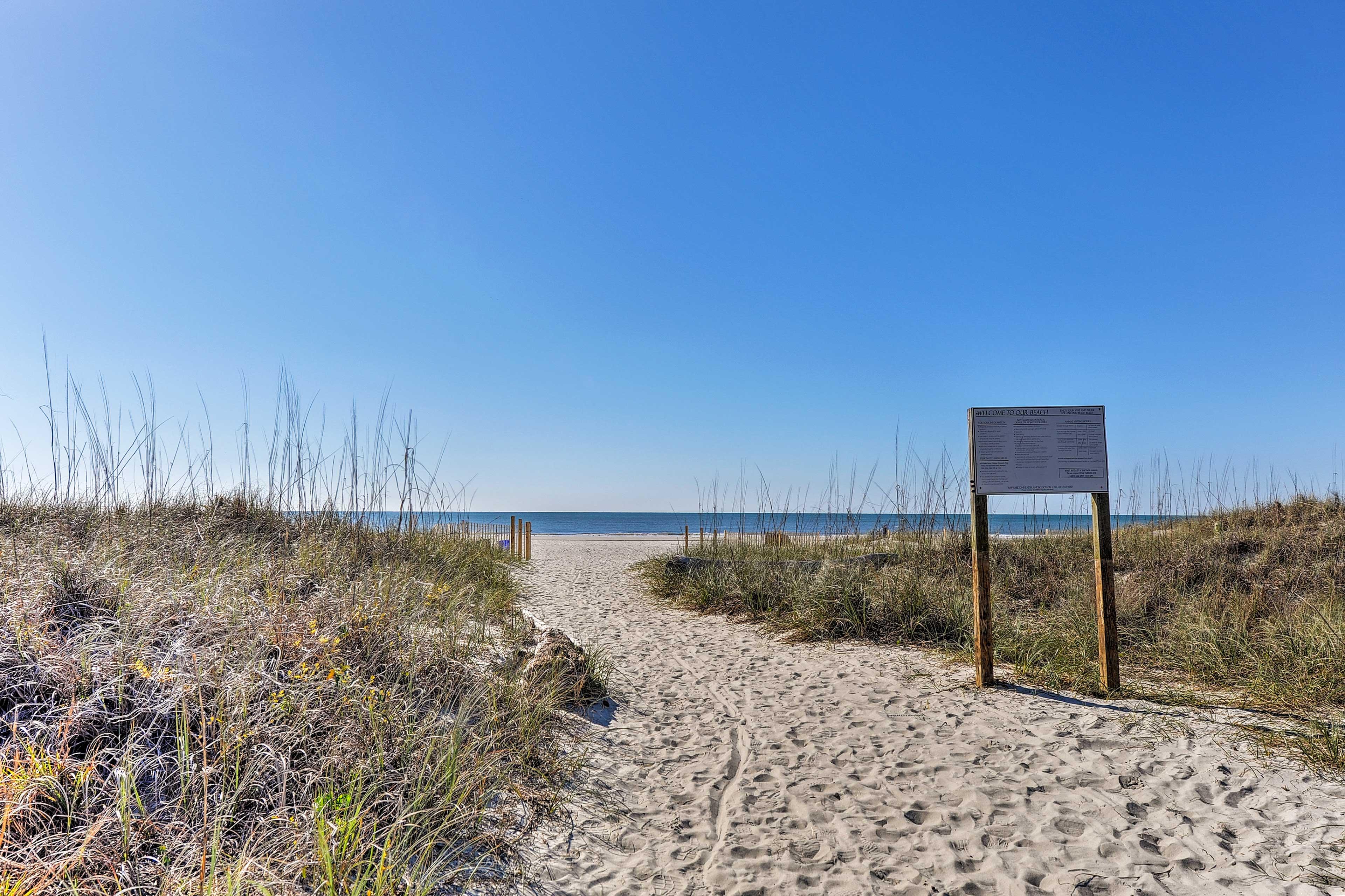 Local Beach   5-Minute Walk Away