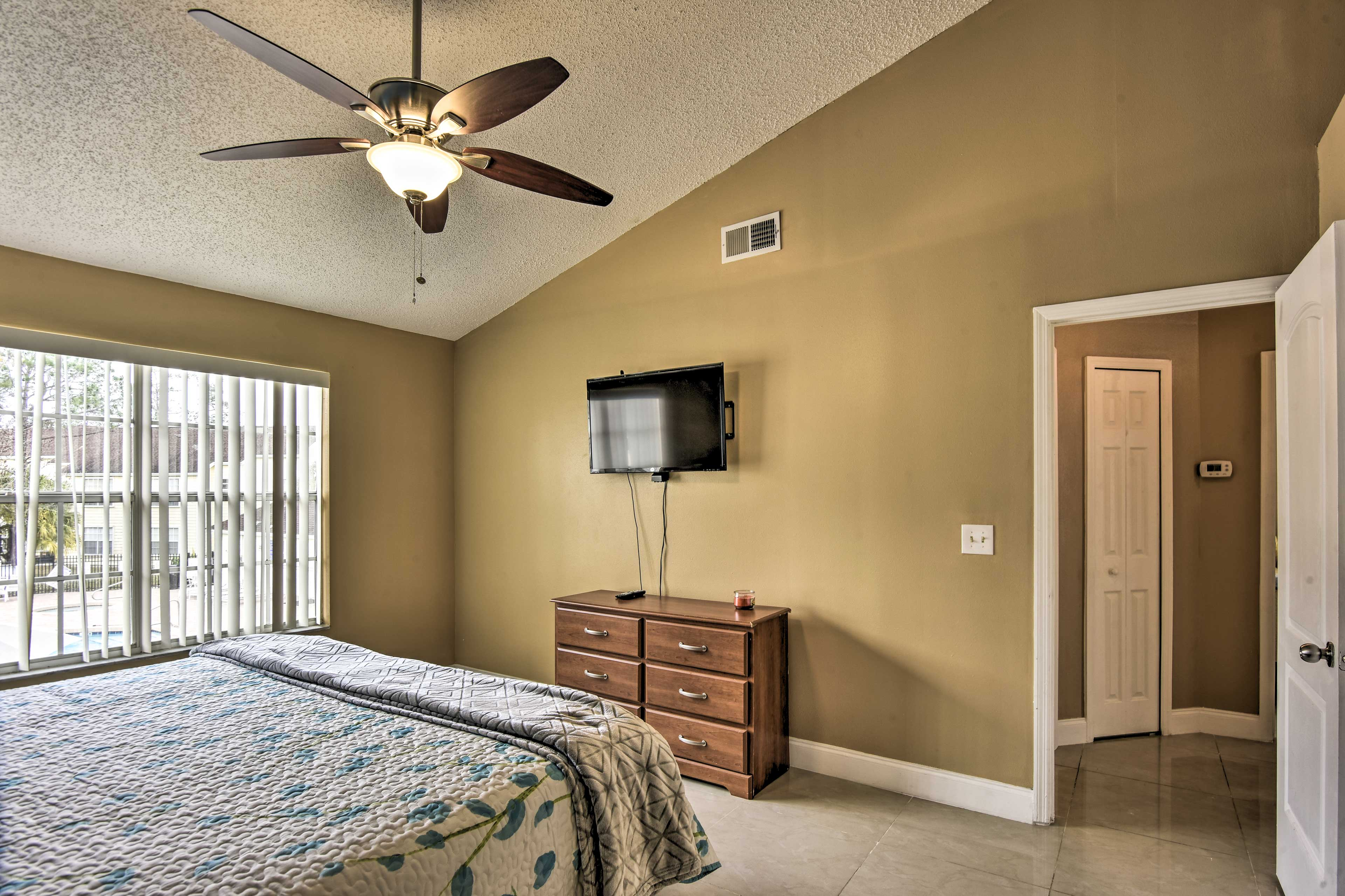 The master bedroom sleeps 2 on a king bed, and is equipped with a cable TV.