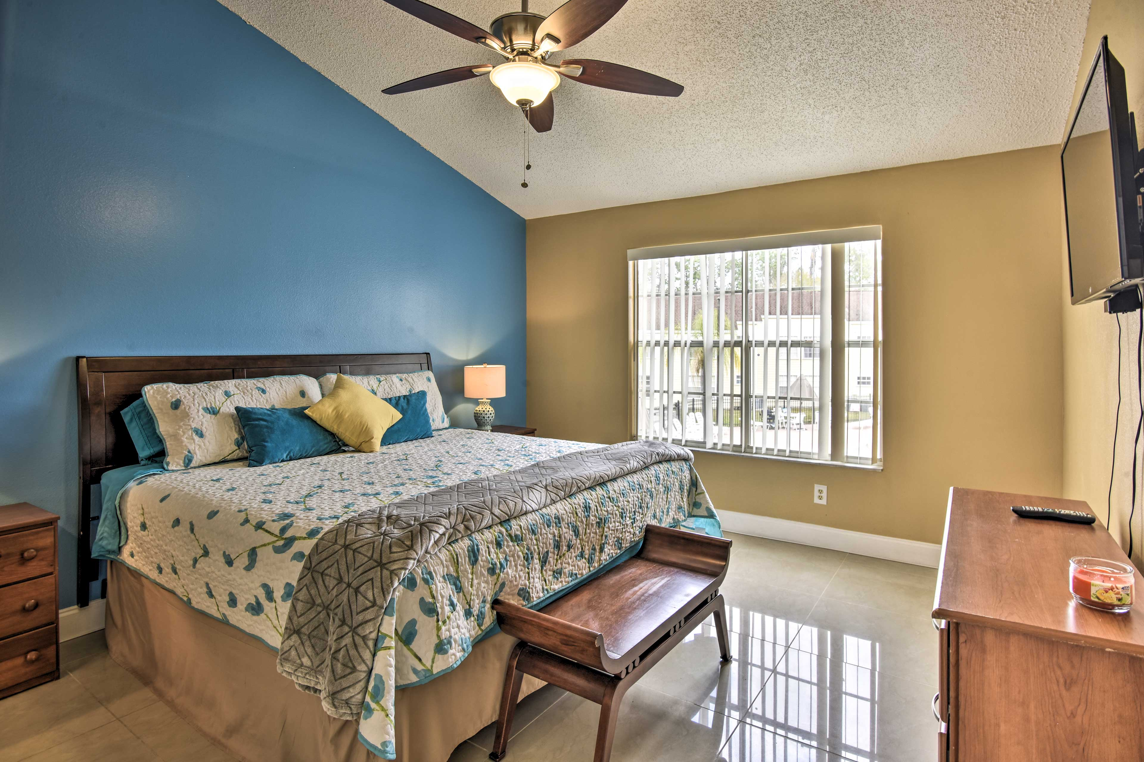 This property sleeps 6 guests throughout 3 bedrooms.
