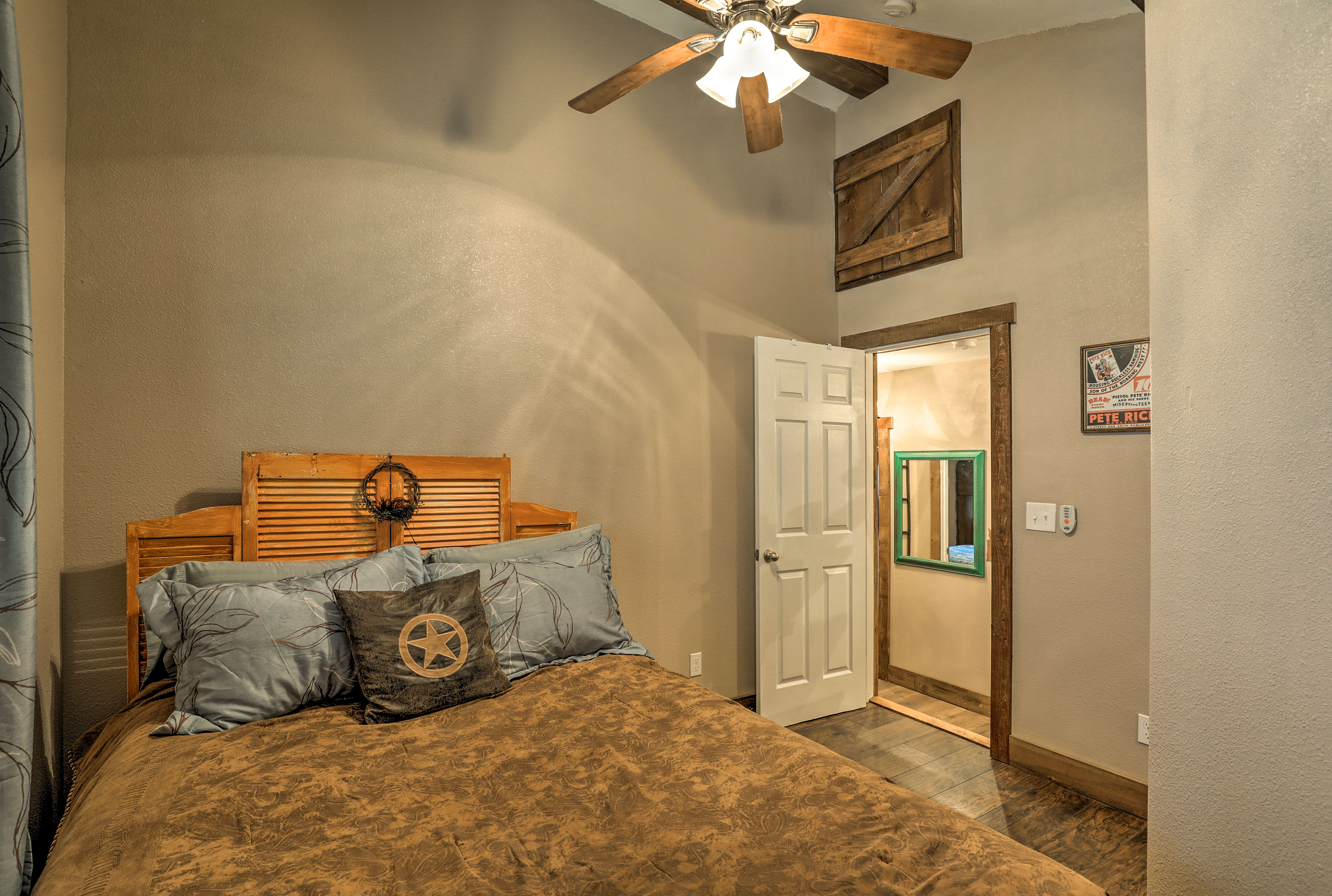 Two othe travelers can claim this second queen bedroom.