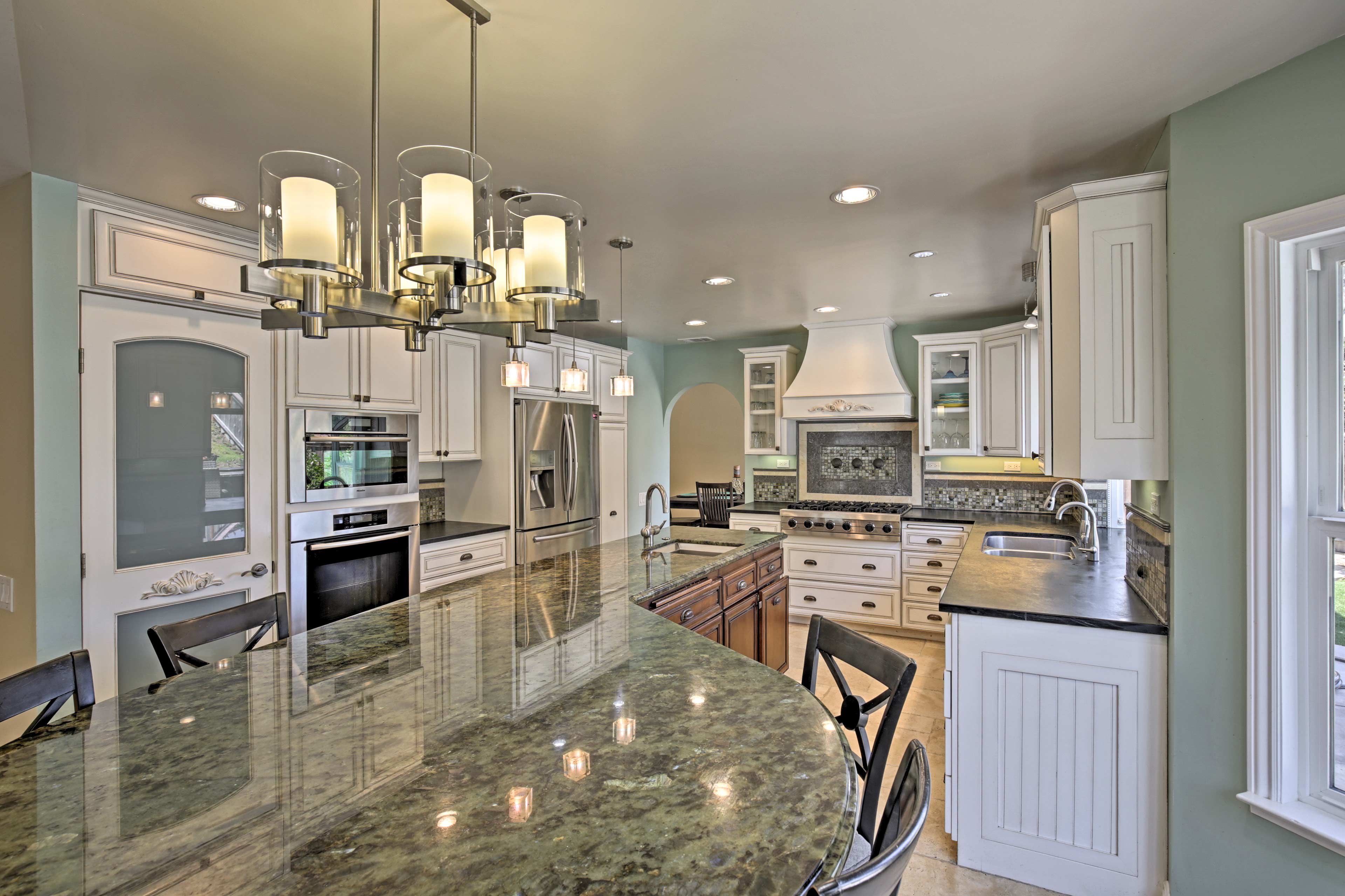 Fall in love with cooking all over again while preparing dinner in this kitchen!