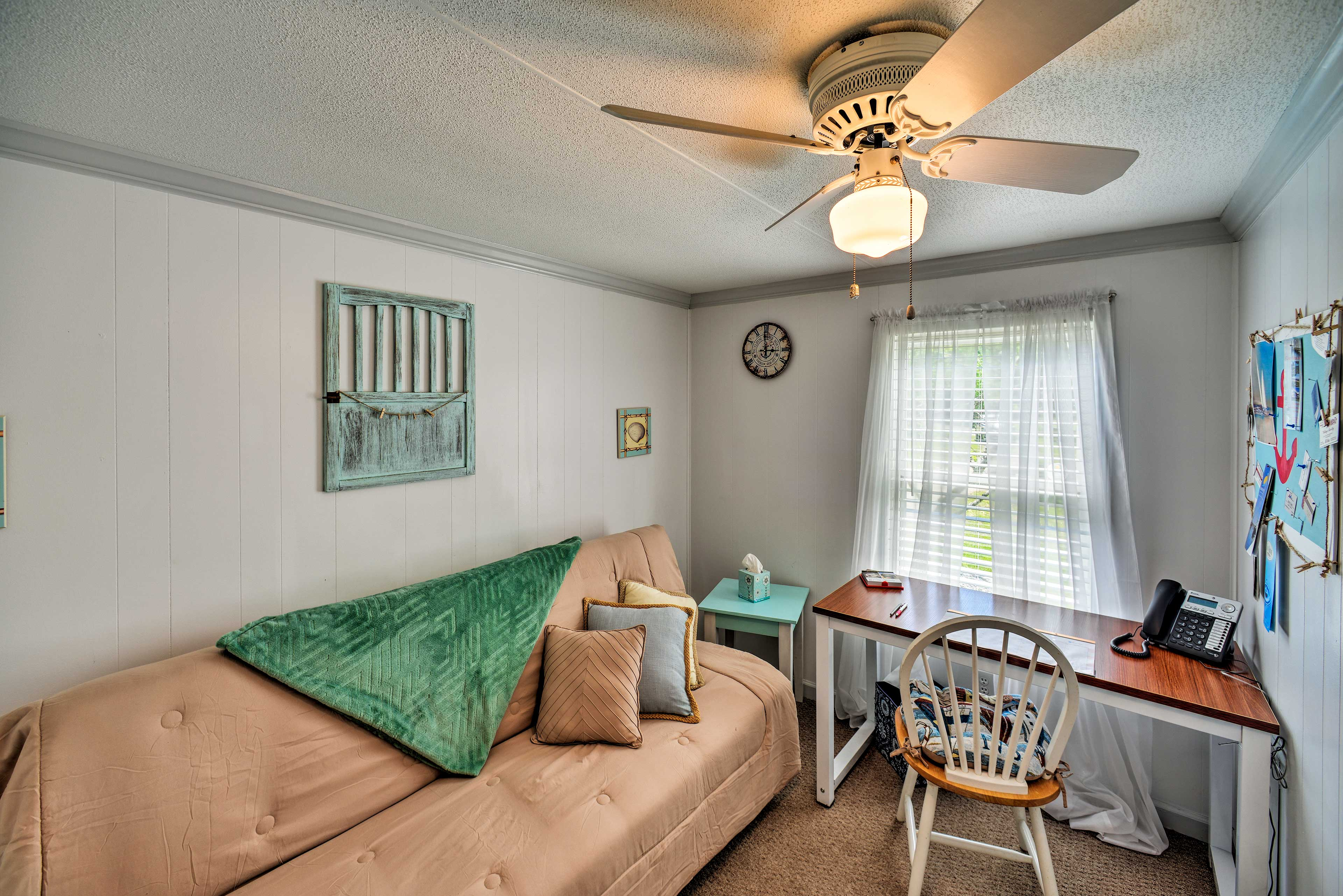 A futon in the third bedroom/office provides sleeping for 2.