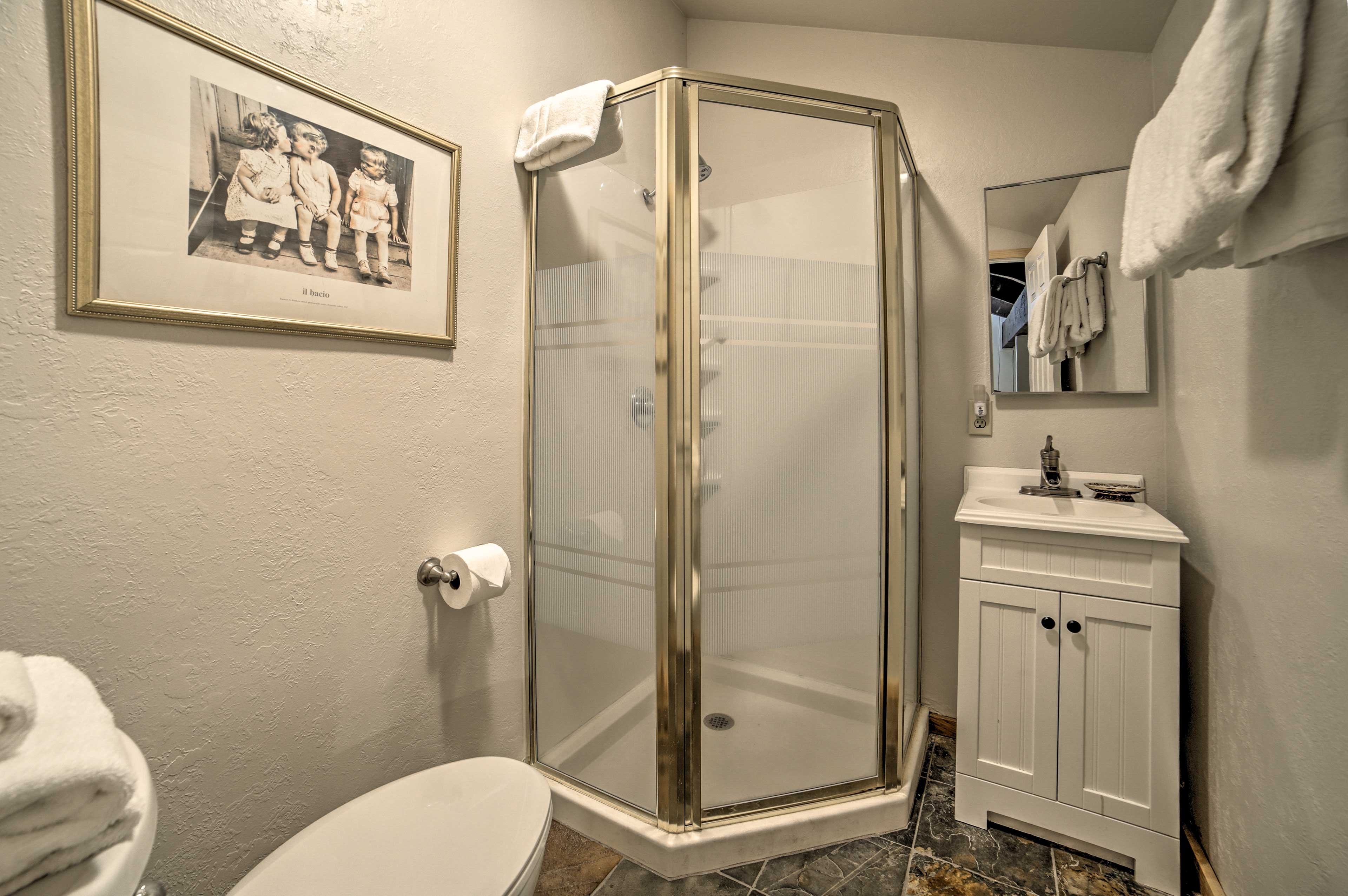 With 2 bathrooms, there's plenty of space to wash up.