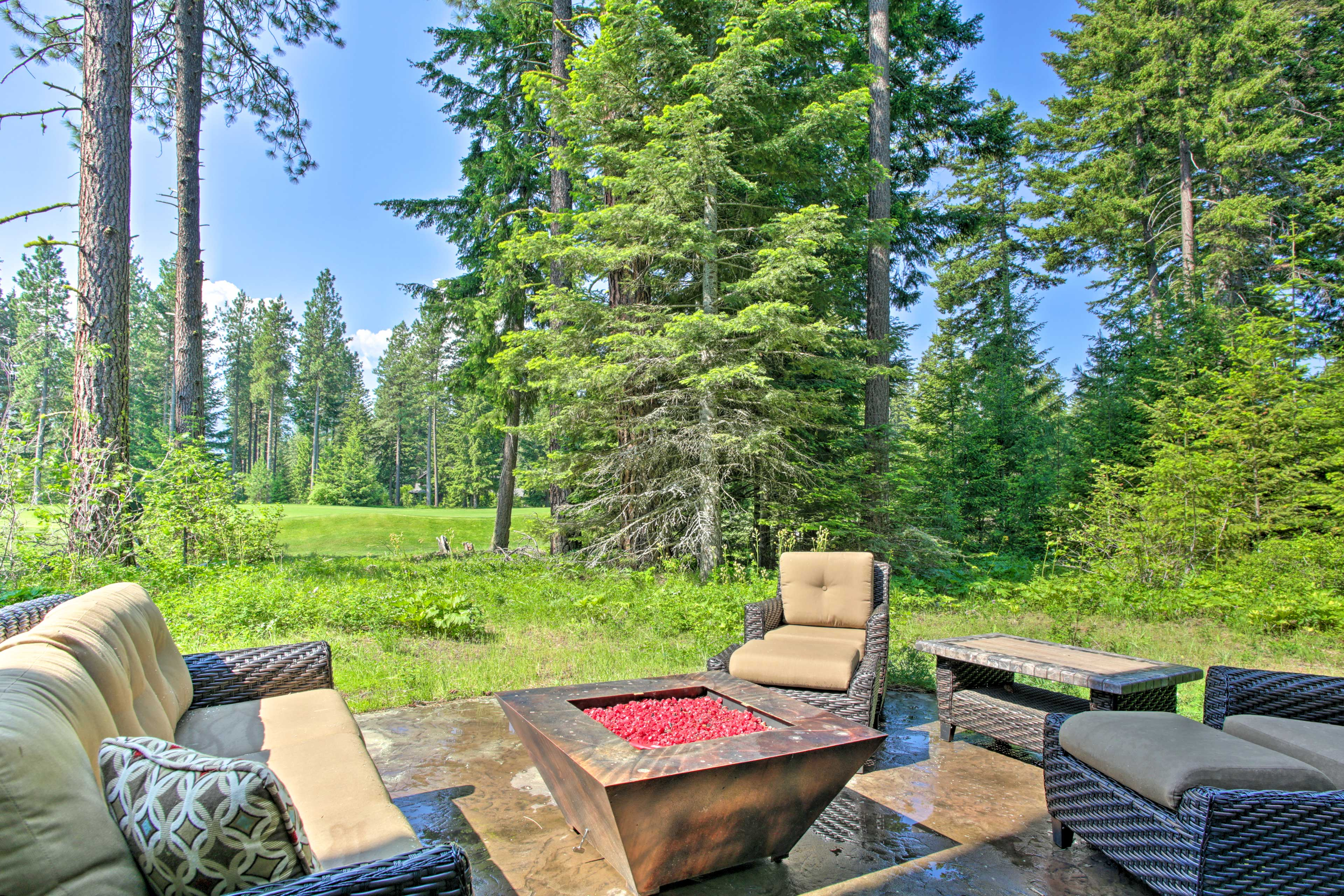 This beautiful Suncadia Resort home sits right on the Prospector Golf Course.