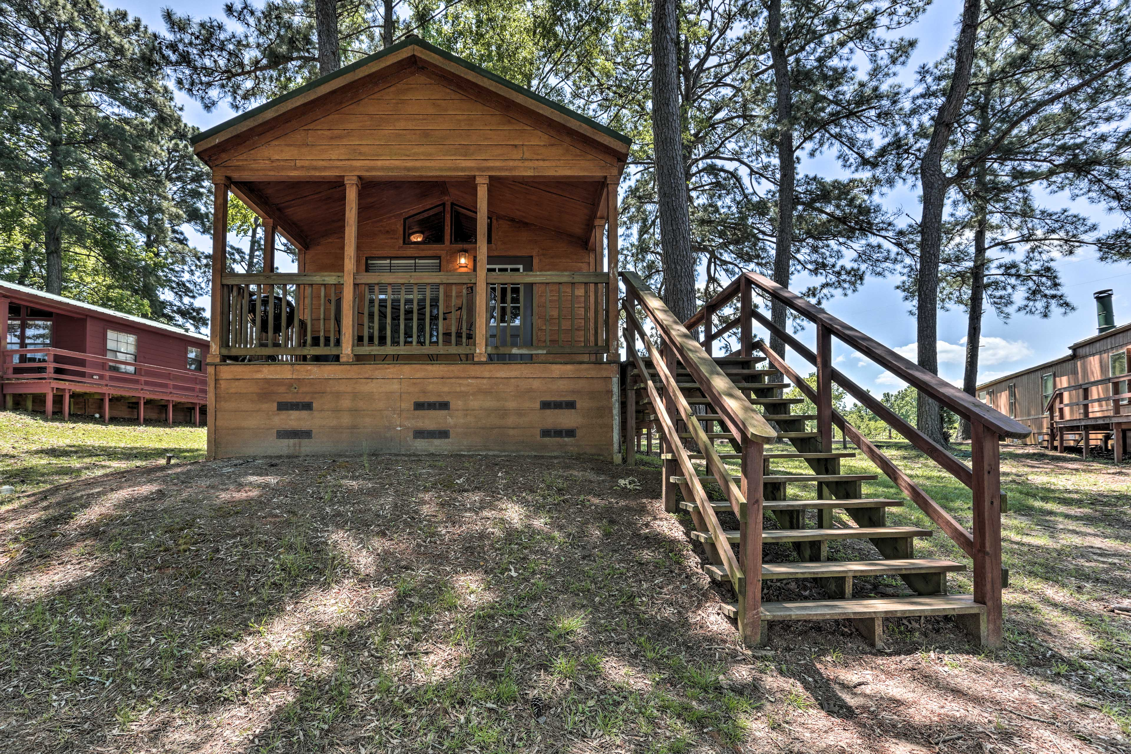'Red Fox Cabin' is the ideal getaway for 2 in Milam, Texas!