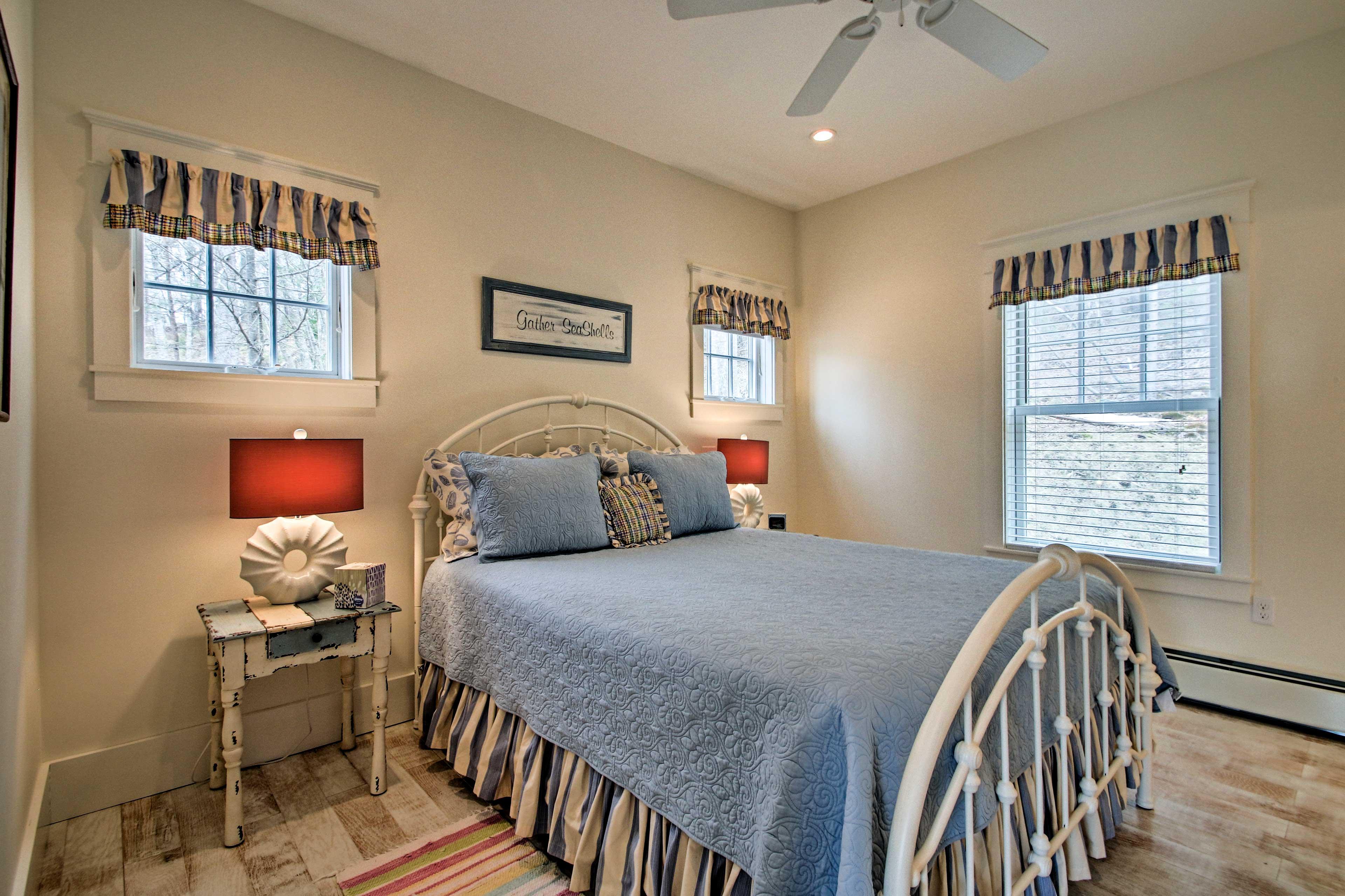 Dream effortlessly under soft linen sheets.