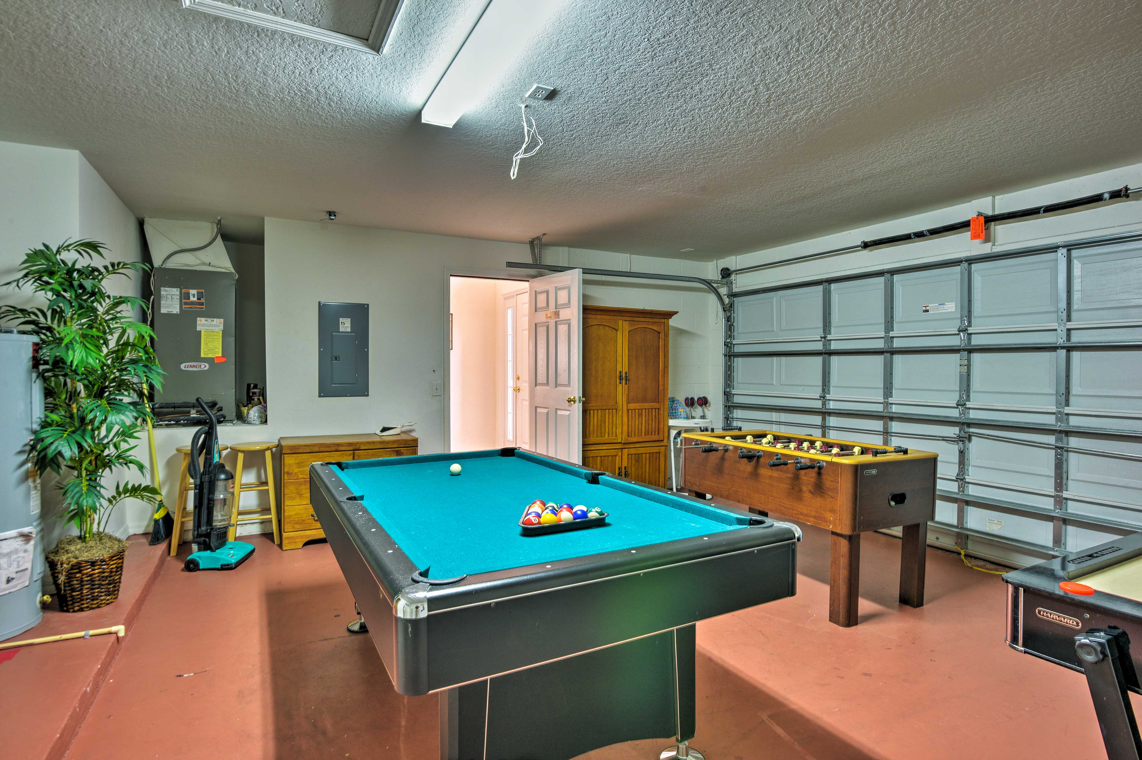 Rack 'em up and play a game of pool!