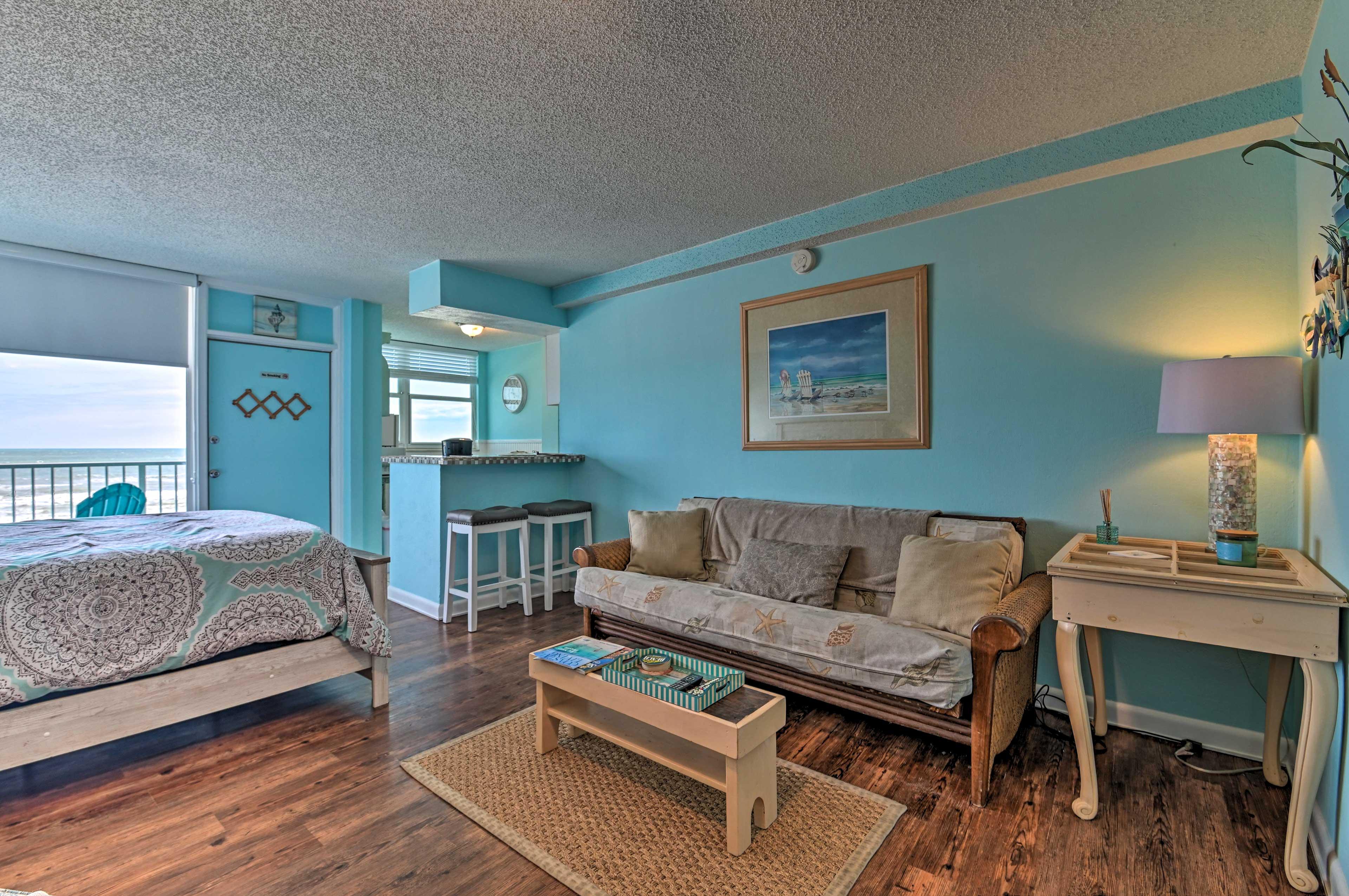 Nautical decor brings the seaside inspirations inside.
