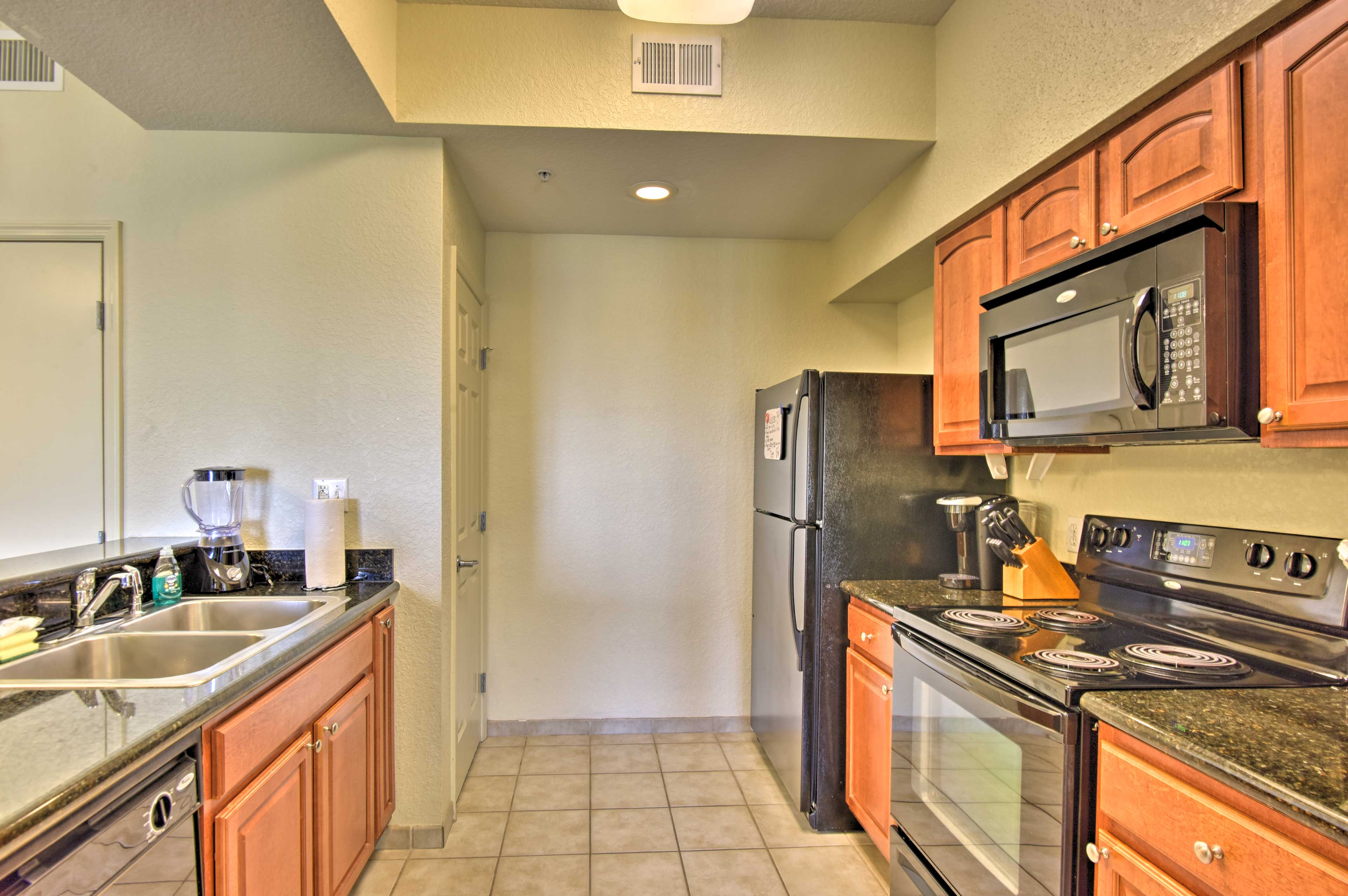 Put your culinary skills to the test in this fully equipped kitchen.