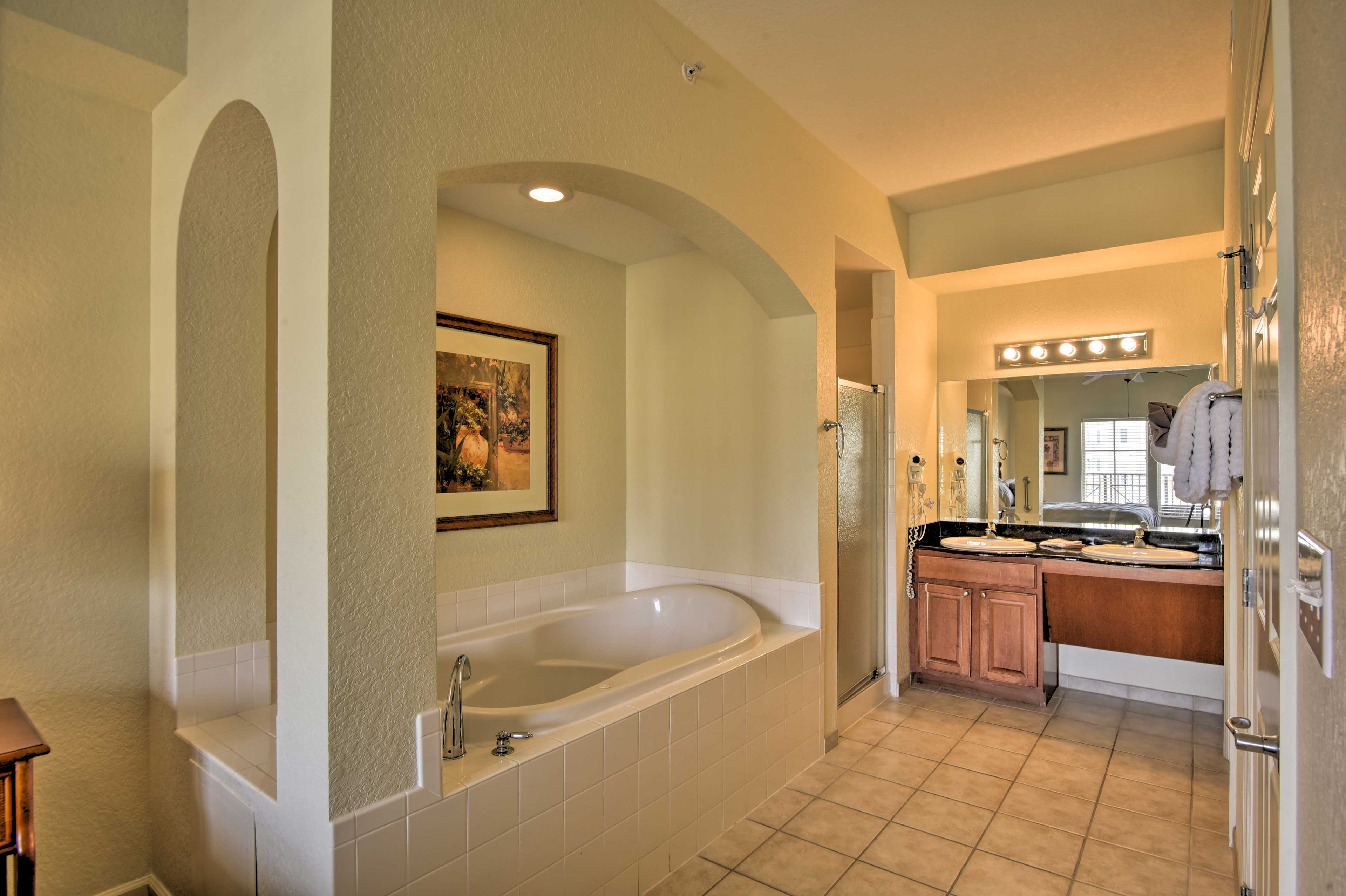 Stay fresh for daily adventures in this en-suite bathroom.