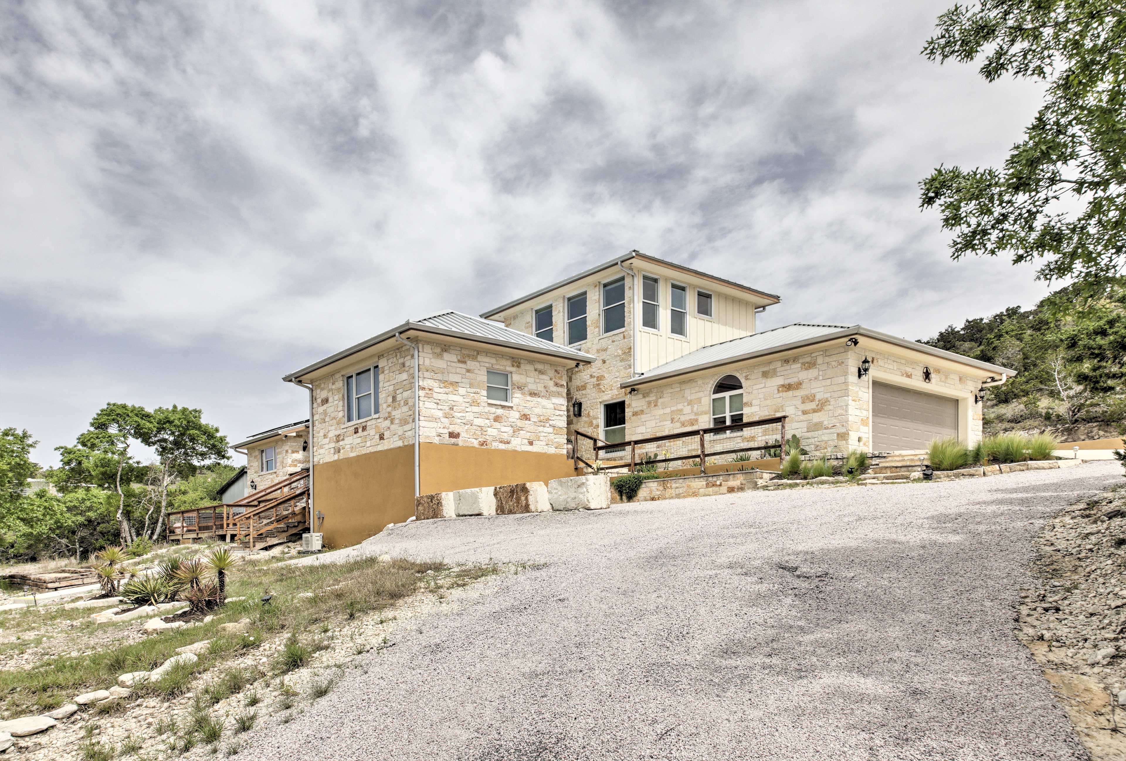 You'll love your time at this lavish Hill Country getaway.