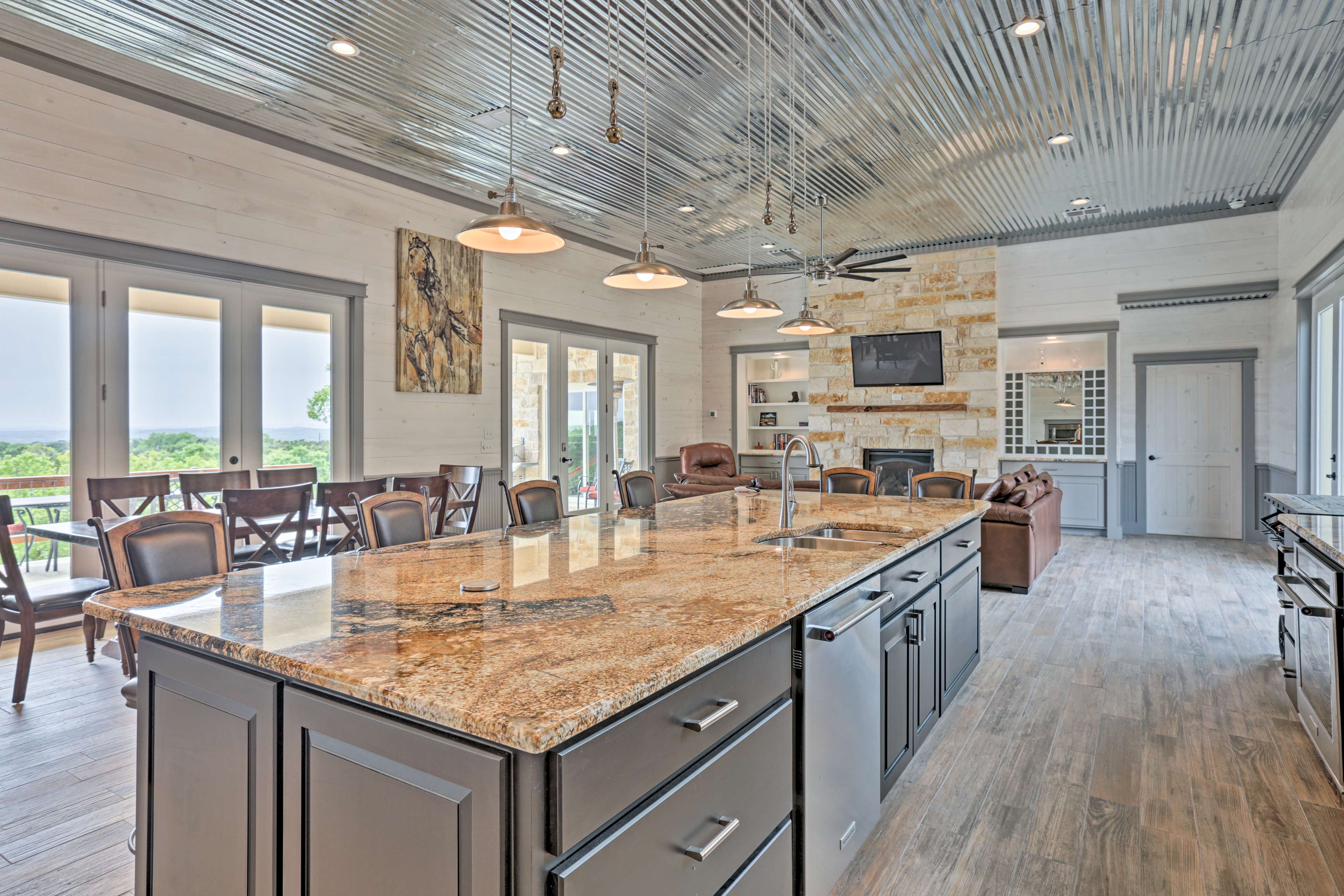 Cooking for 7 is easy as pie in this fully equipped kitchen.