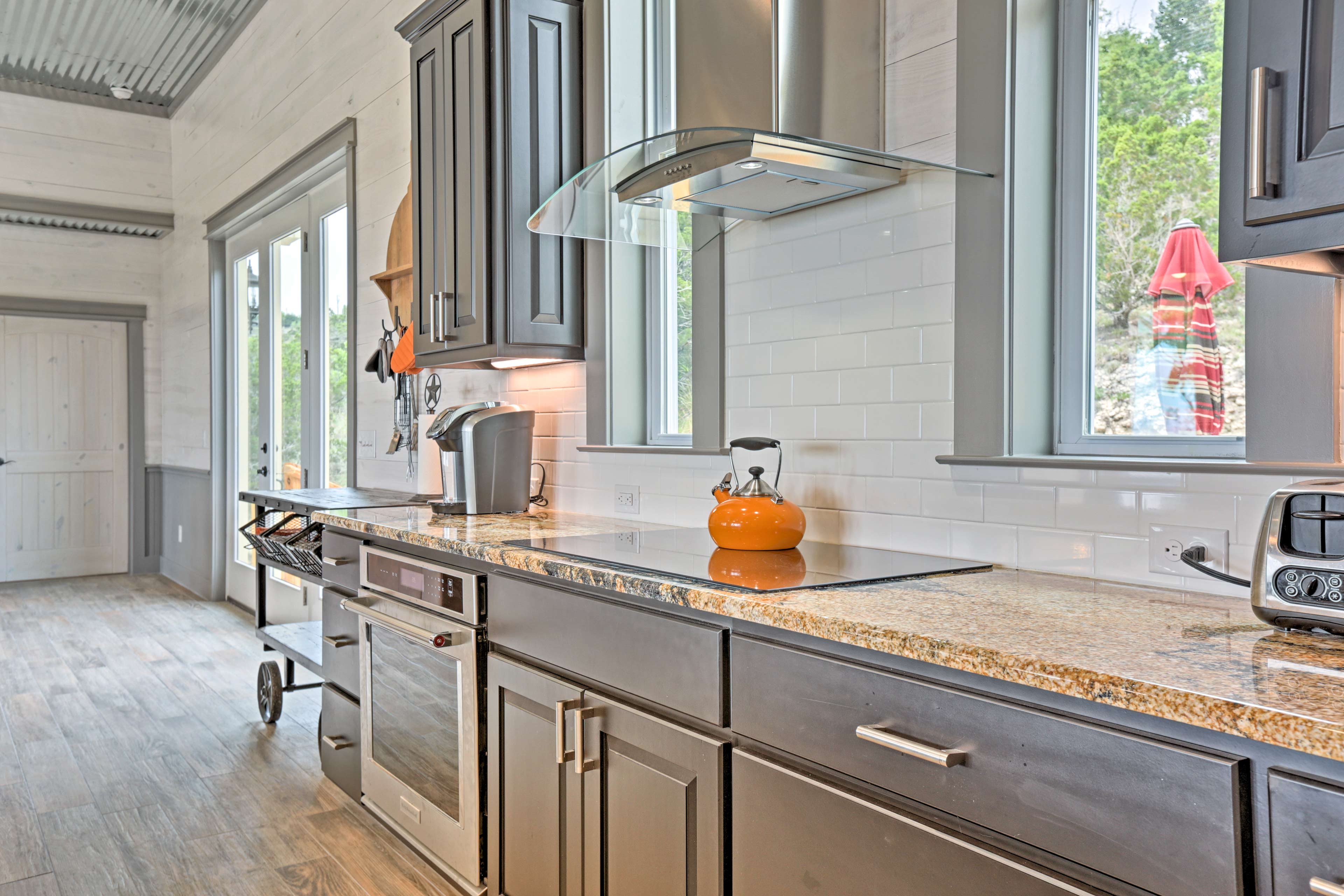 Stainless steel appliances make cooking in this kitchen a real treat!