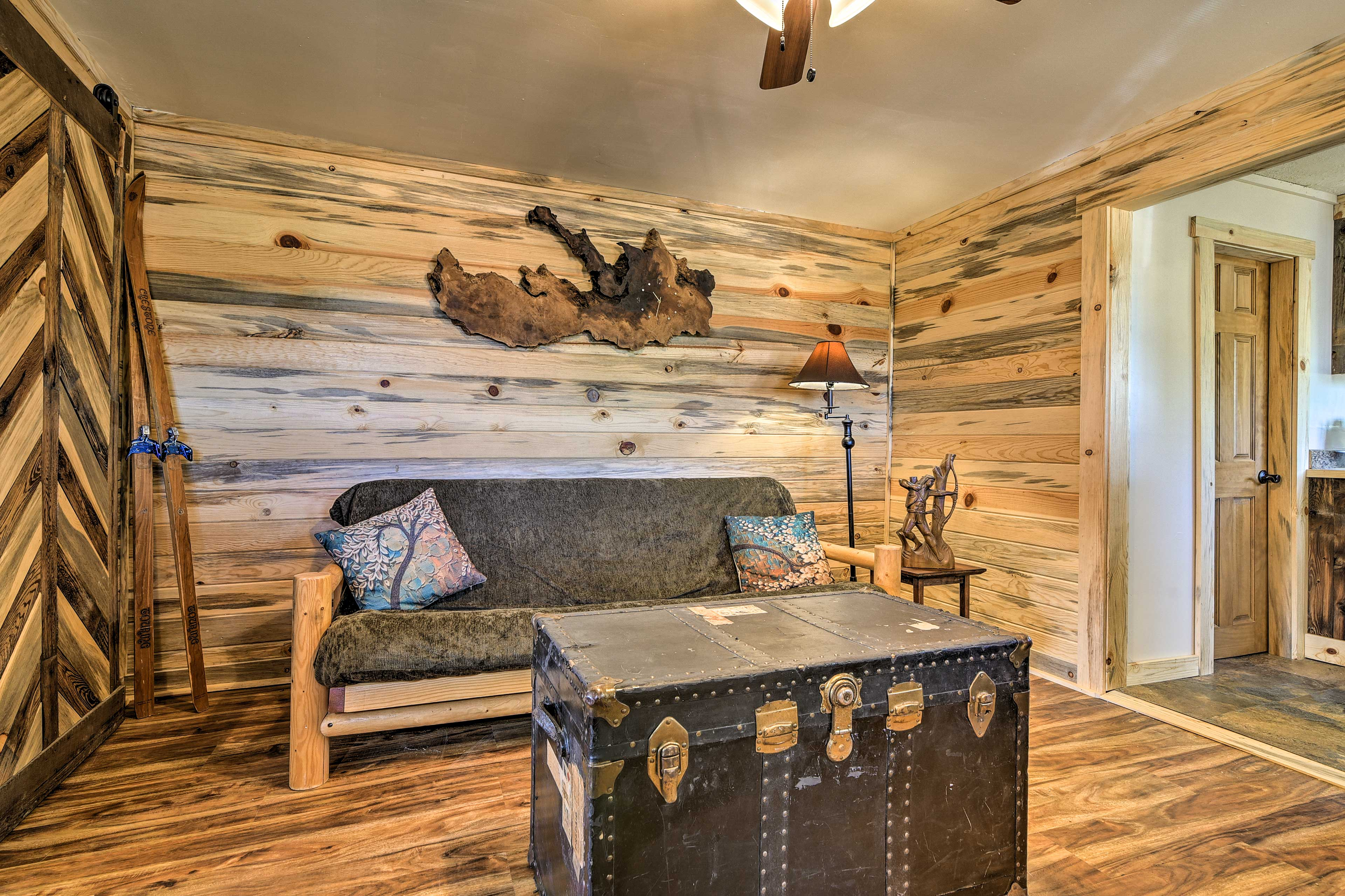 The wood detailing in the cabin is truly stunning!