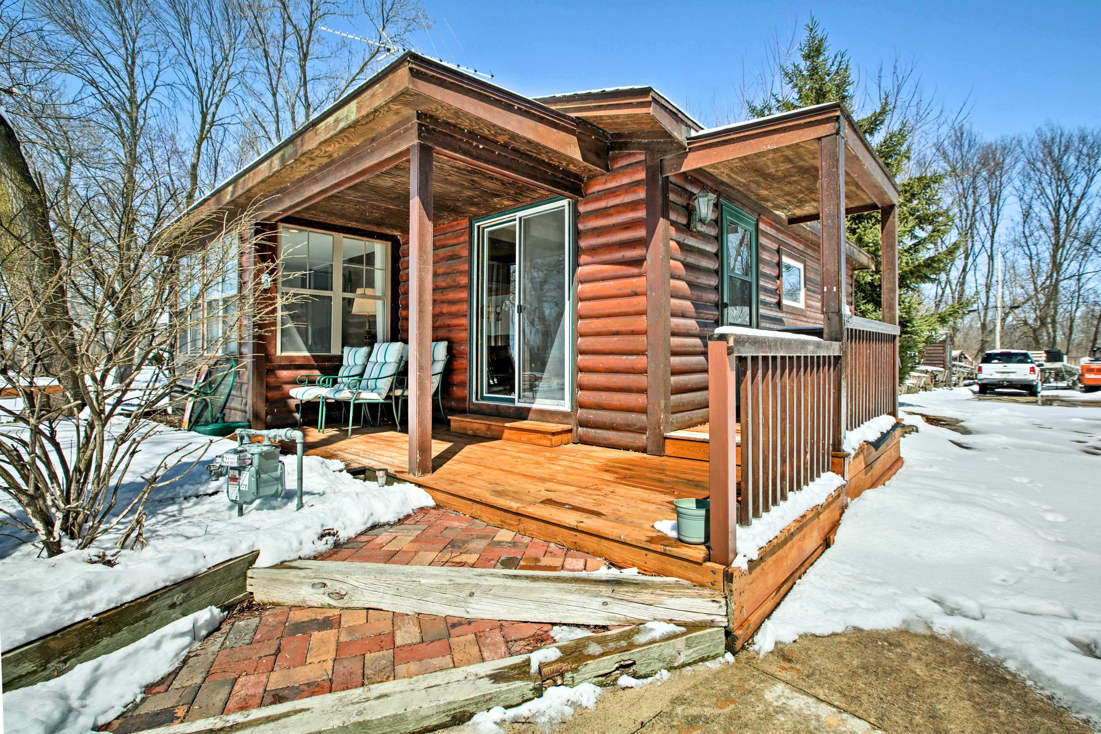Experience this 1-bedroom, 1-bath vacation rental cottage in Fort Atkinson!