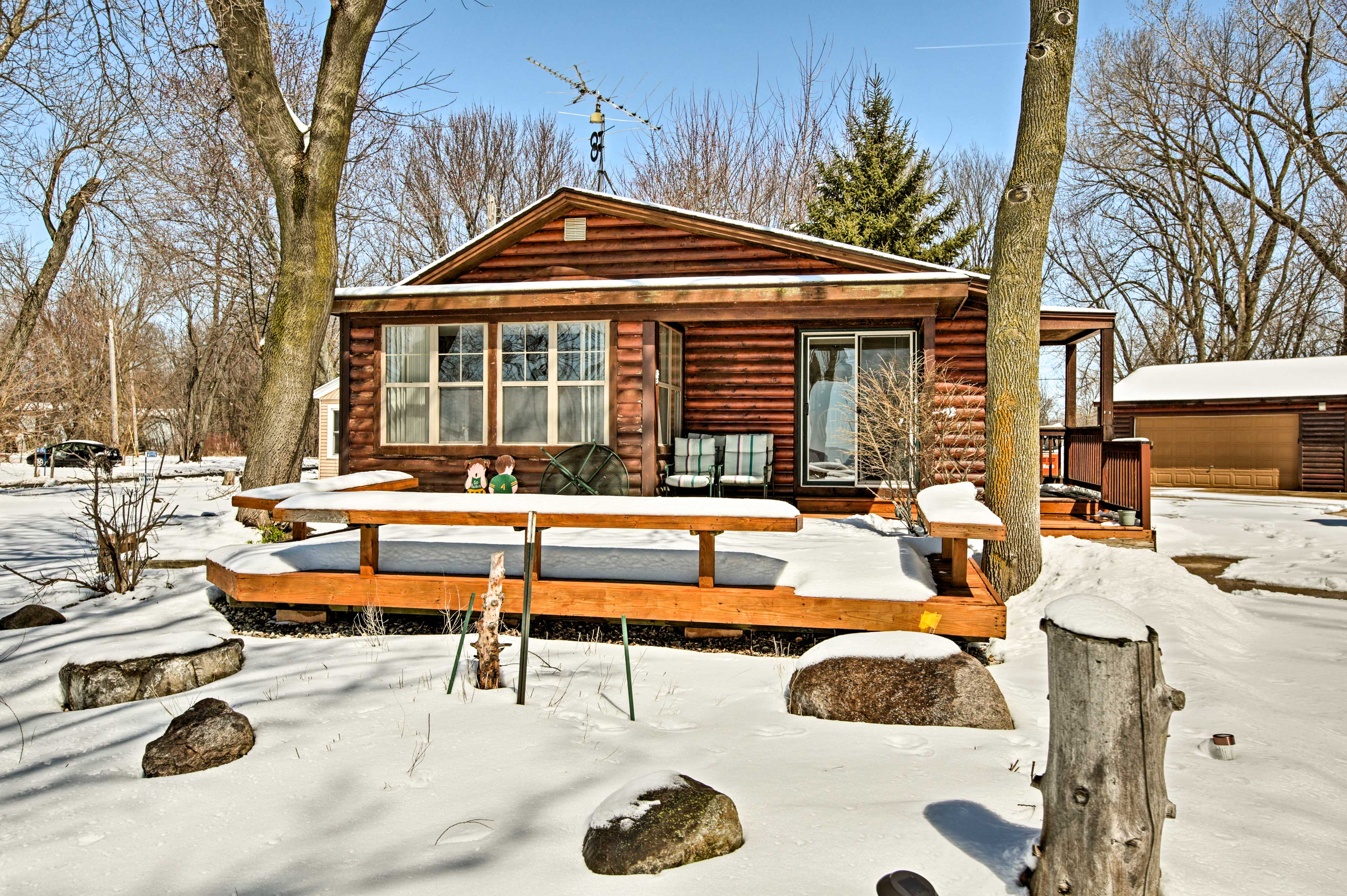 The spacious front deck is perfect for summer!