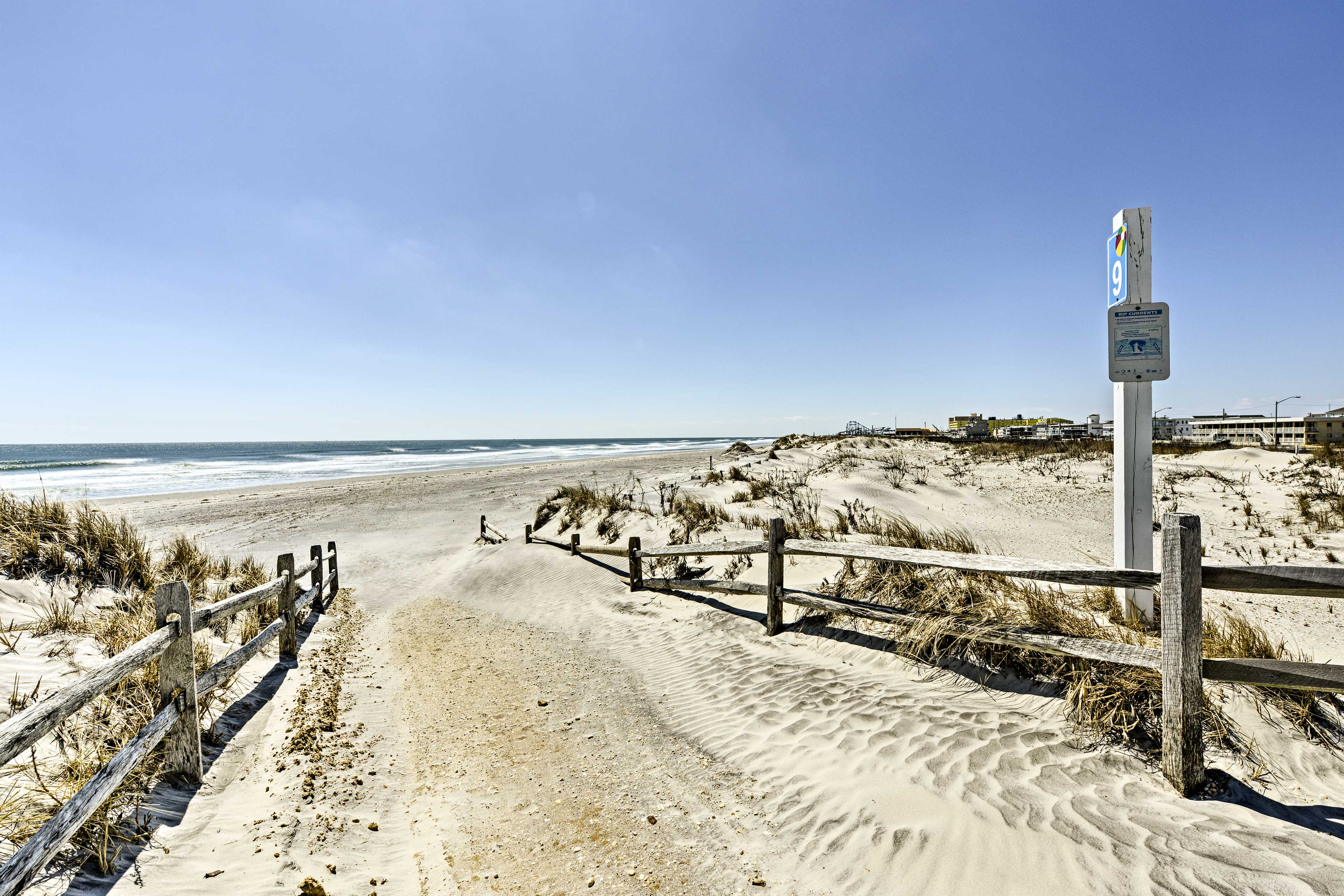 Beaches, boardwalks, restaurants & more are just outside the home's front door!