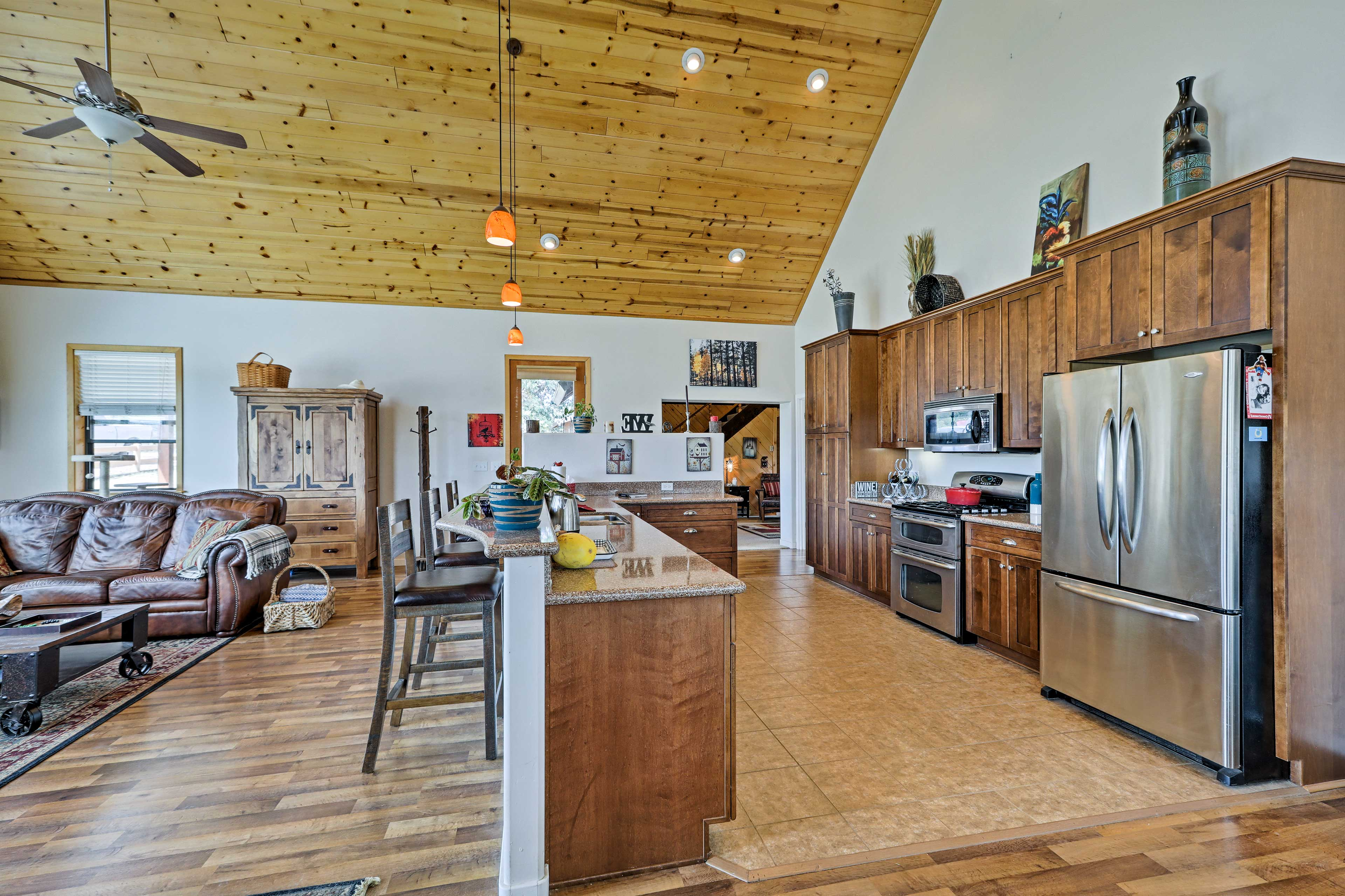 Switch into vacation mode the moment you step on the hardwood flooring!
