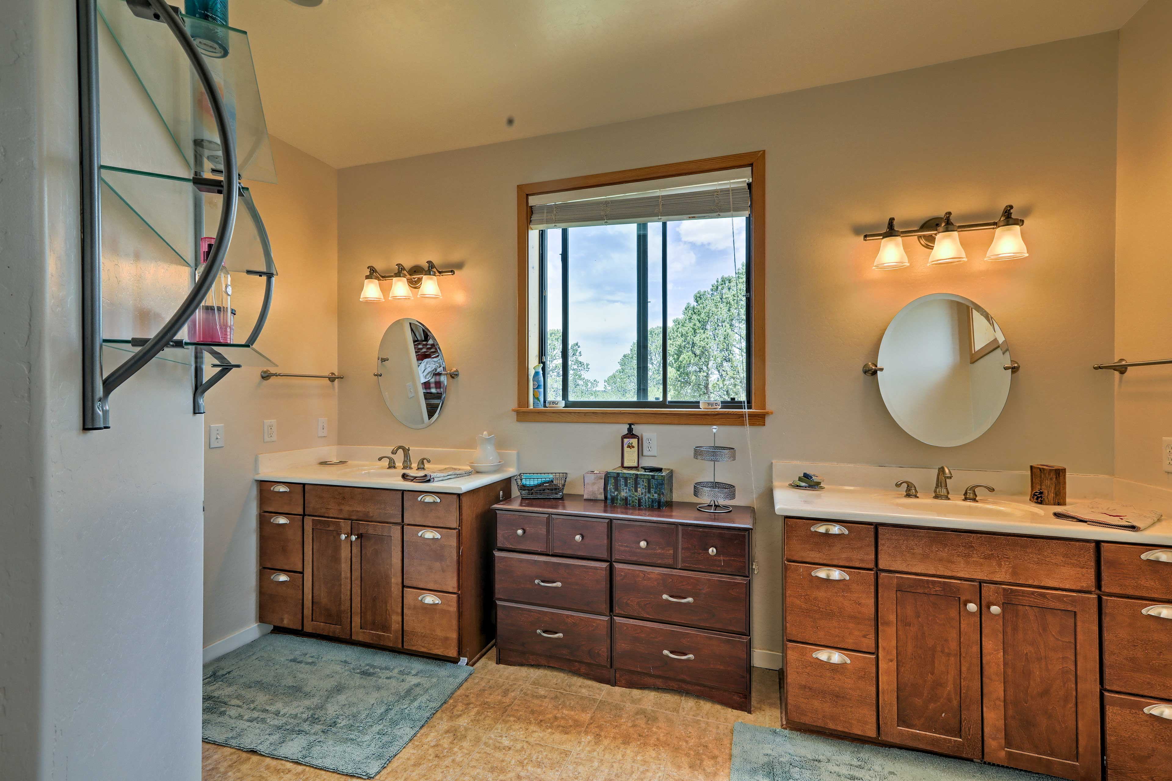 The Jack-and-Jill sinks are a lovely touch in the en-suite bathroom.