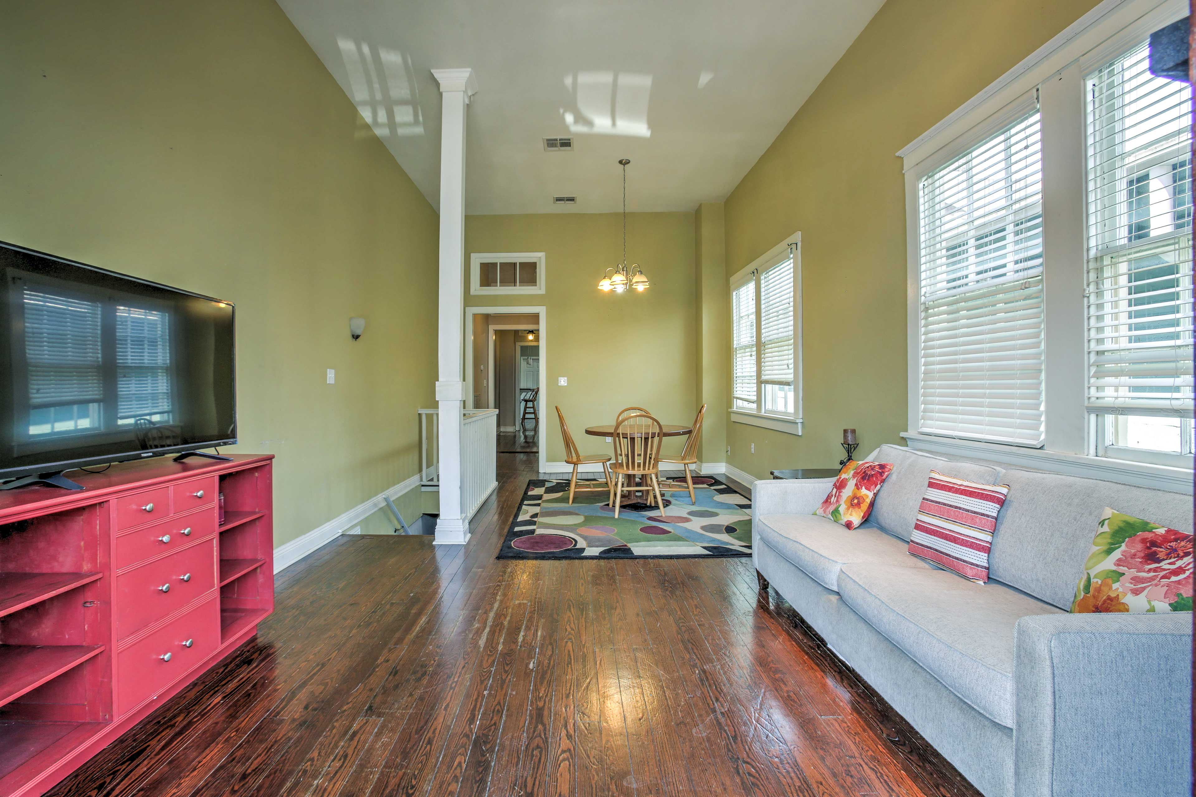 Relax in the updated, spacious interior set in the heart of the Garden District.