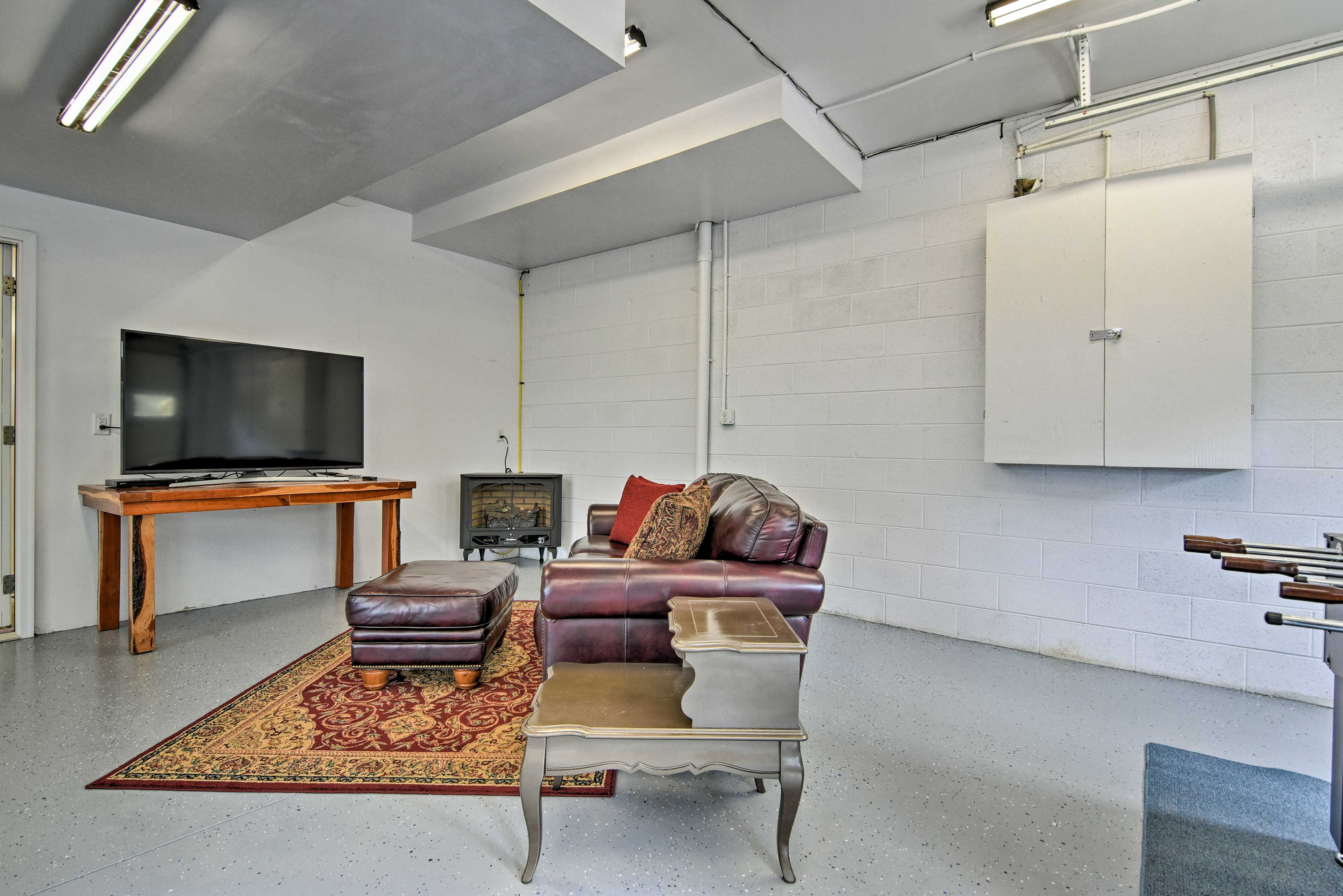 Host evening festivities in this garage-converted game room!