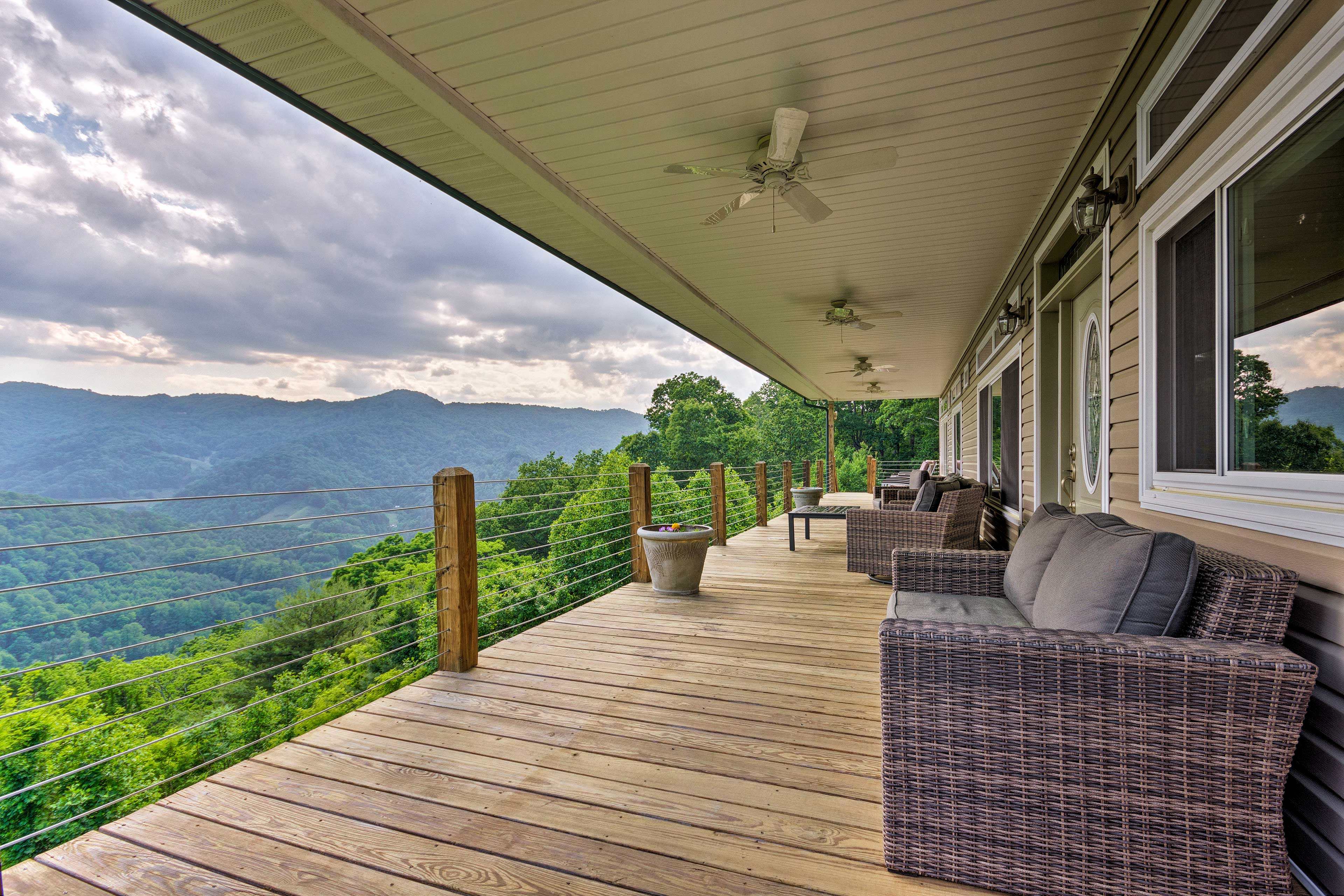Start each morning with a fresh cup of coffee and a jaw-dropping view!