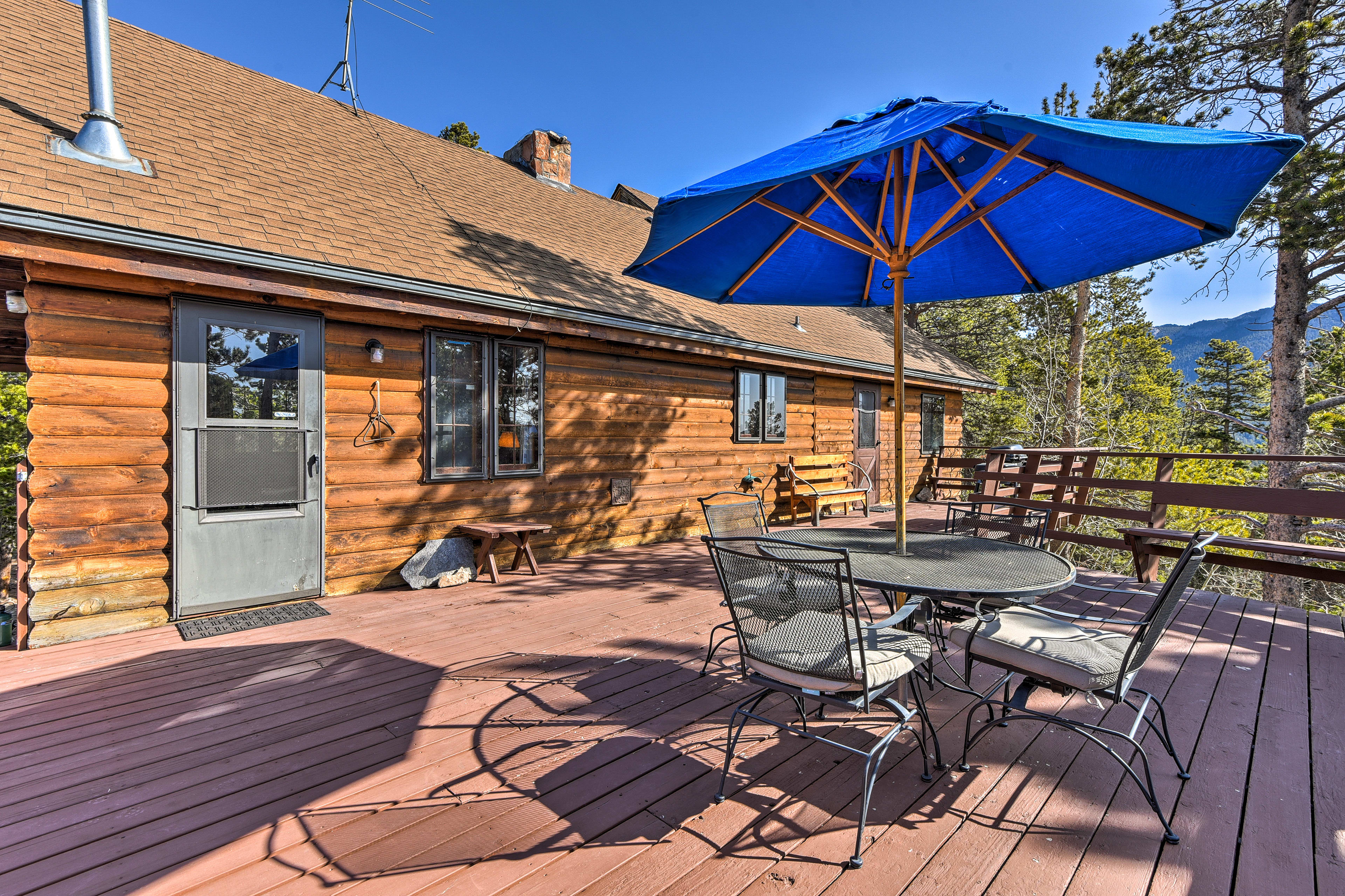 Step outside on the 600-square-foot deck.